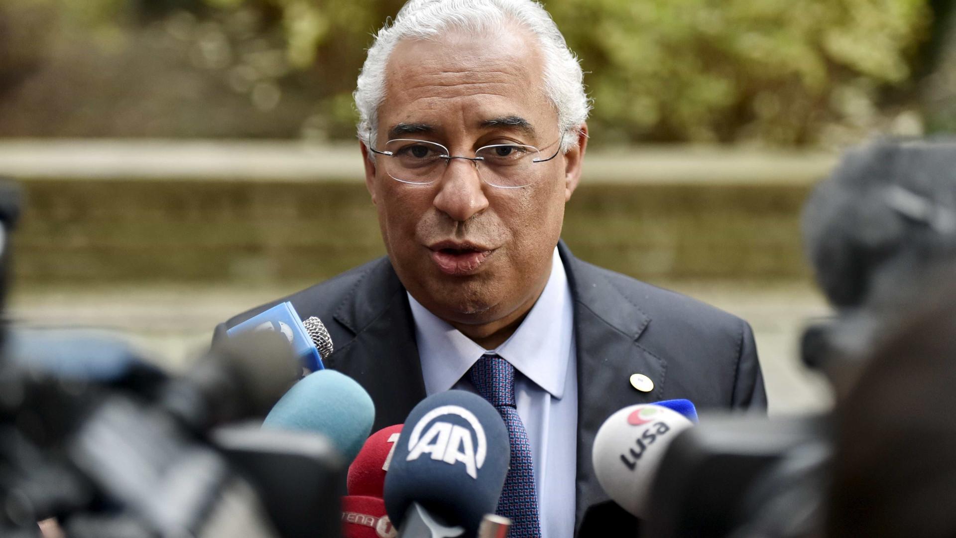Sete anos depois, PM português aterra em Luanda, agora um país em crise