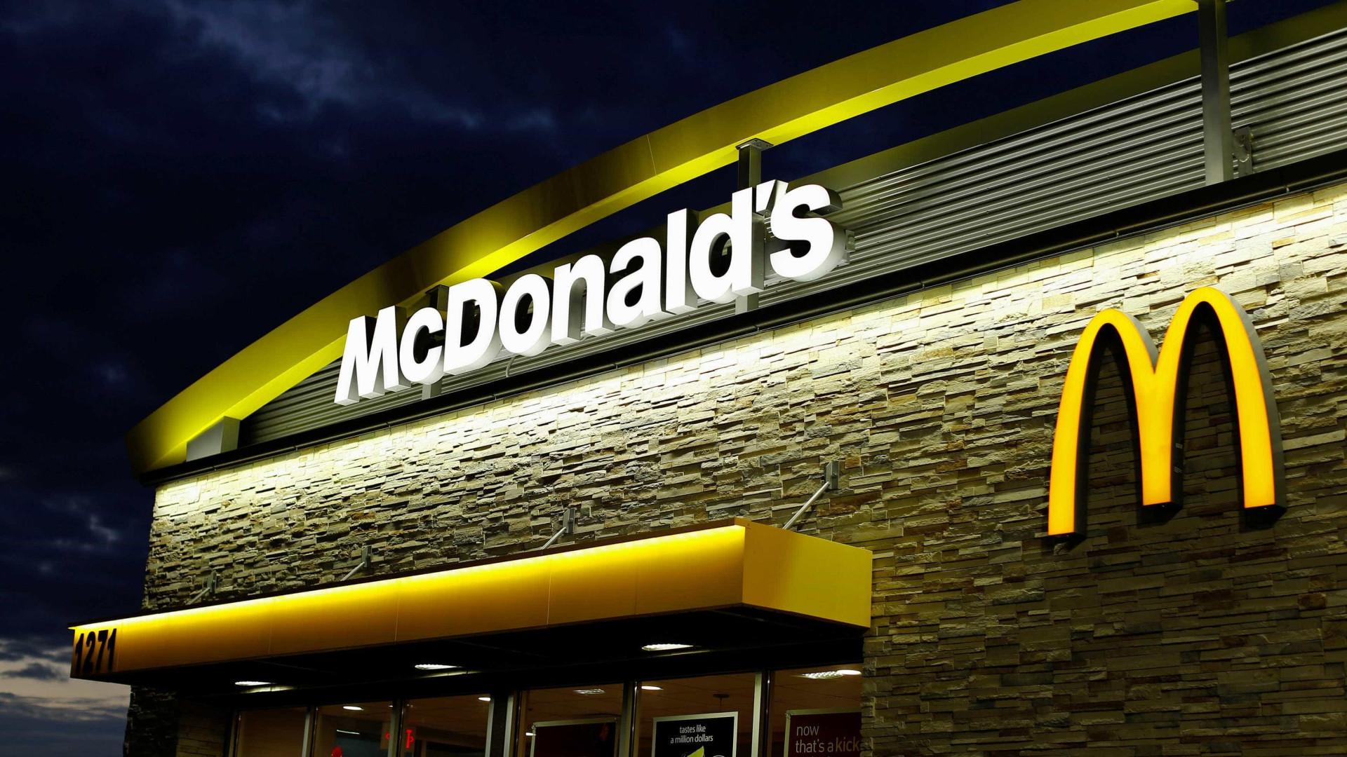 Encontrada pastilha elástica em hambúrguer do McDonald's no Colombo