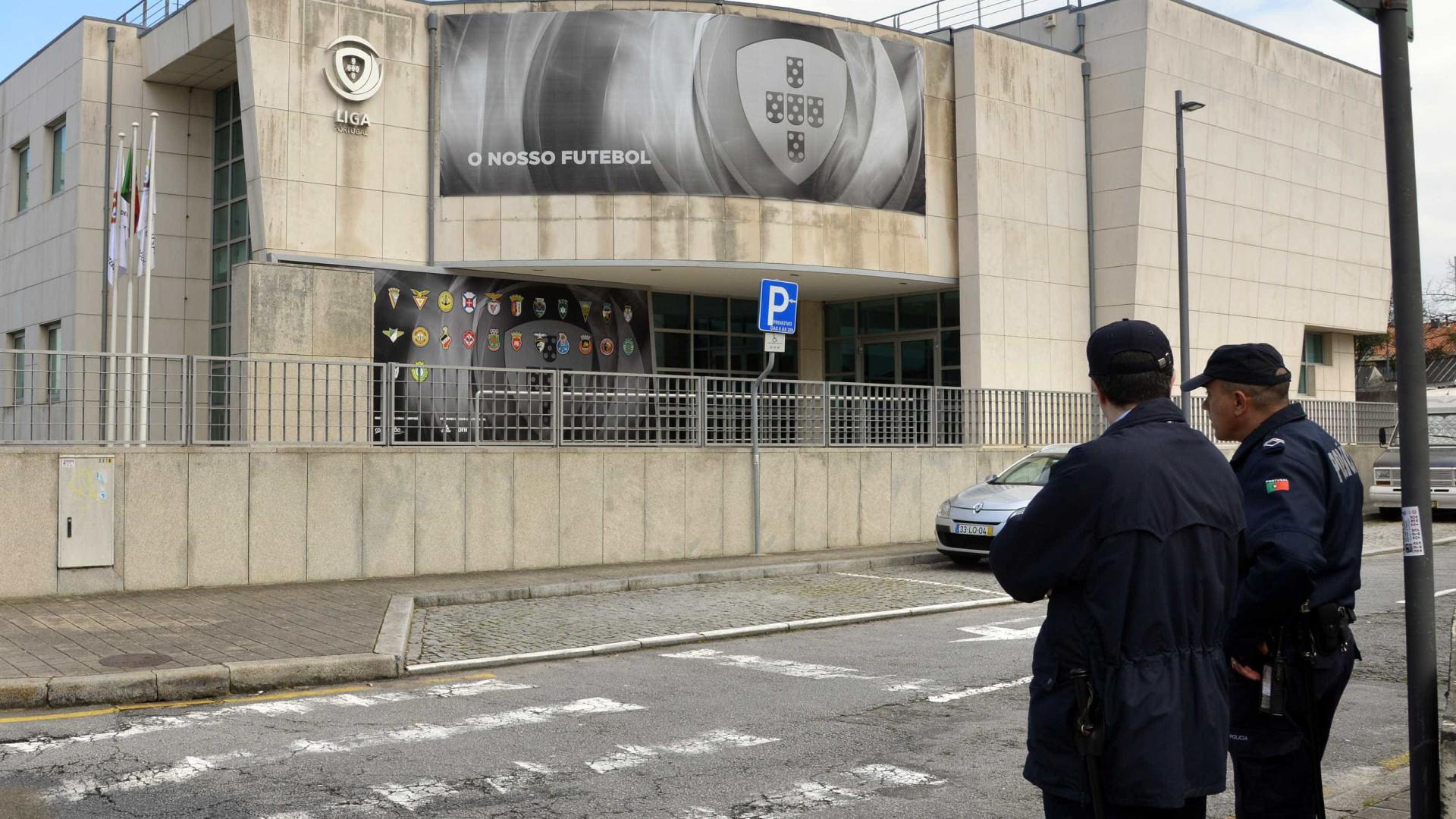 Liga portuguesa de futebol decreta um minuto de silêncio
