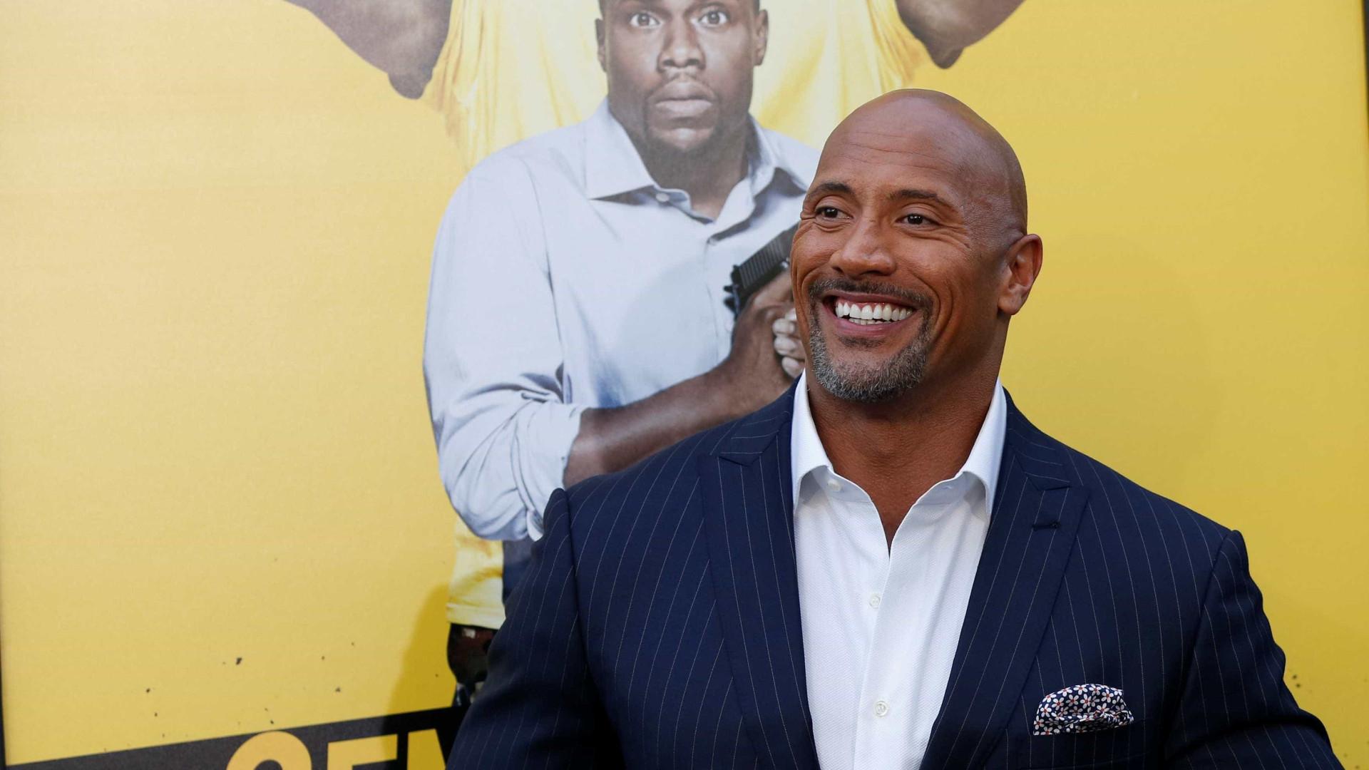 Dwayne Johnson recebe uma das homenagens mais importantes de Hollywood