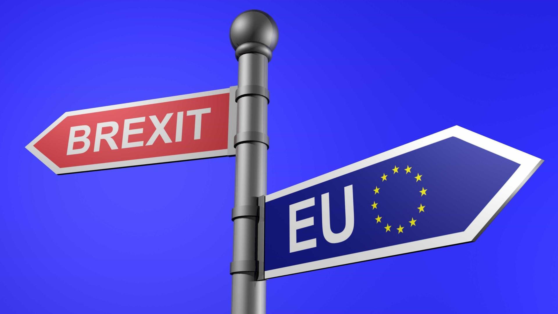 """Brexit: Negociações """"estão a avançar"""" e vão continuar durante a noite"""