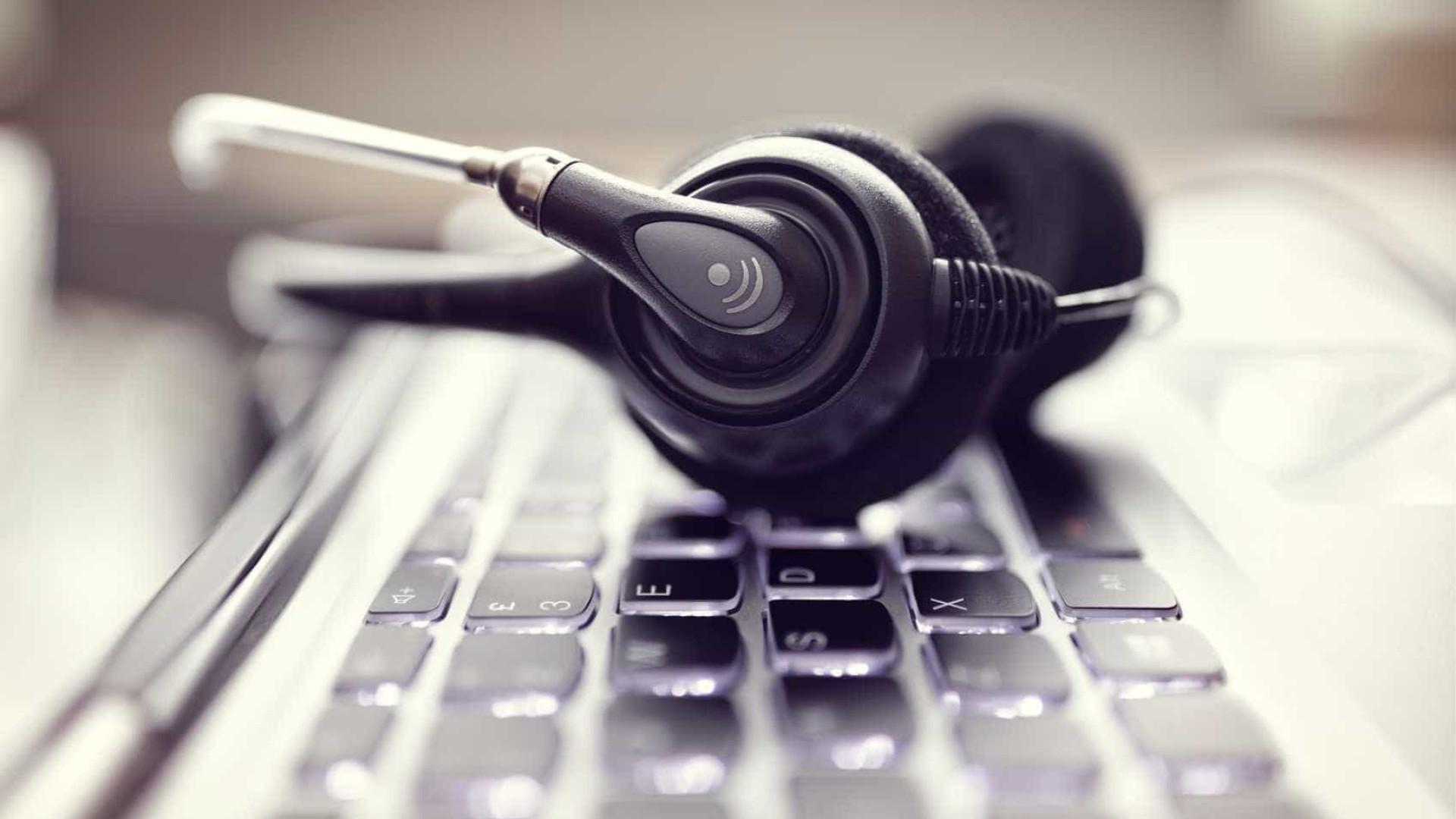 Trabalhadores de call centers aprovam moções para fim da precariedade