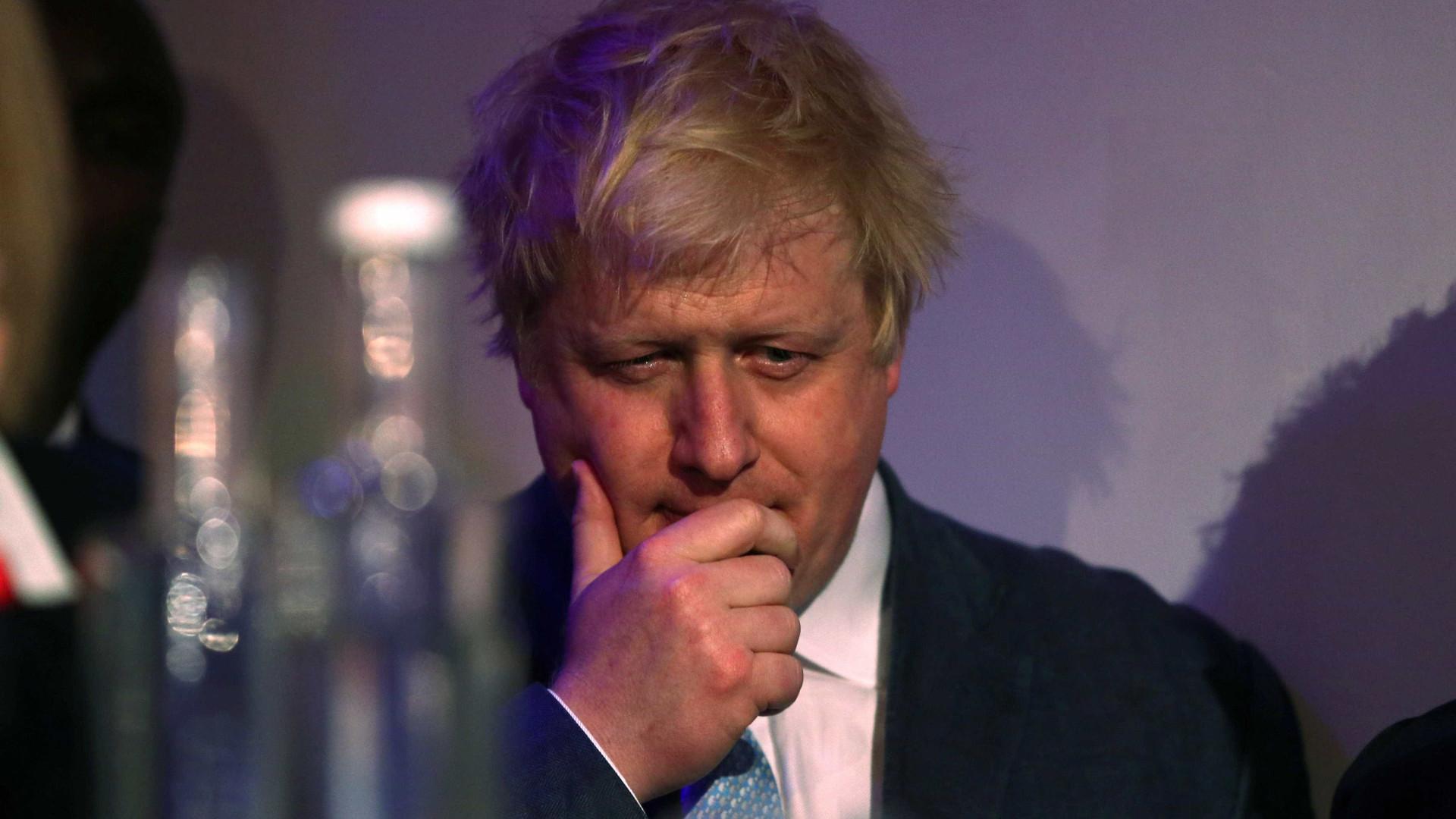 """Governo do Reino Unido insiste numa saída """"completa"""" da UE"""