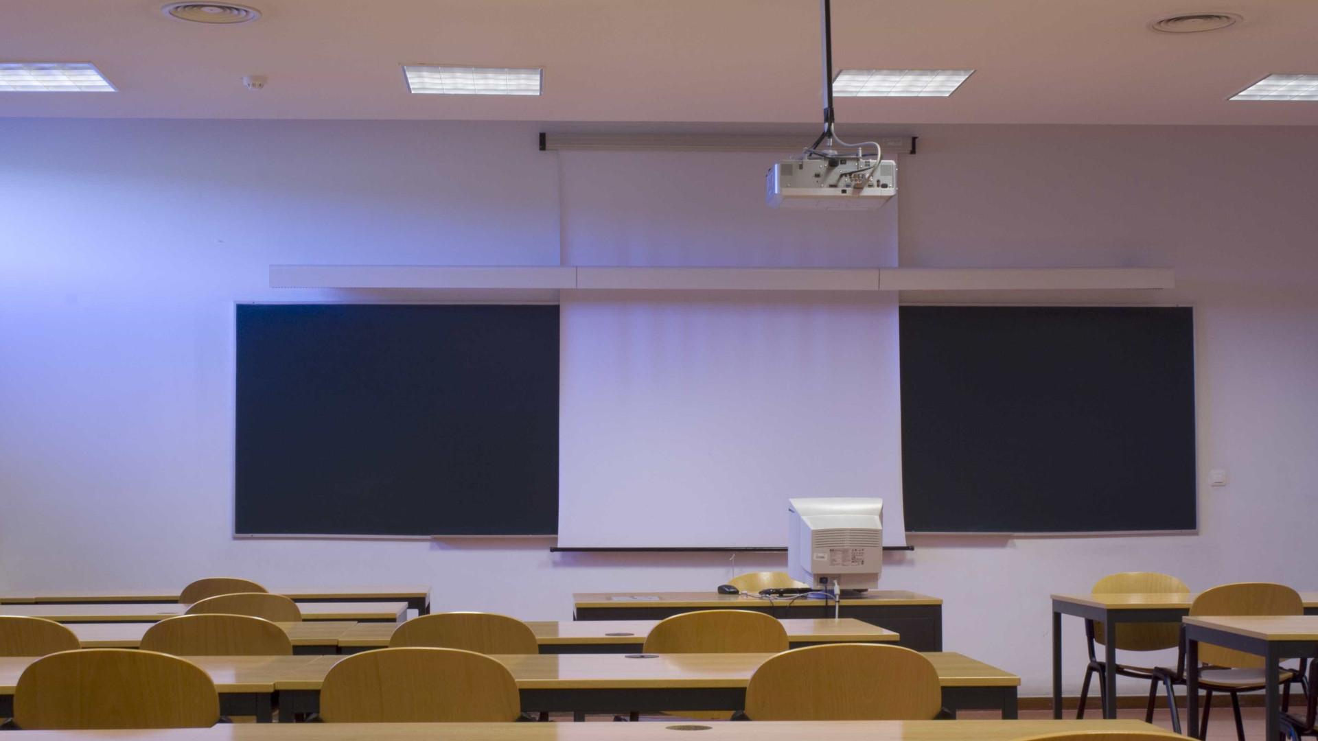 Professores mantêm greve para dia 21 de junho