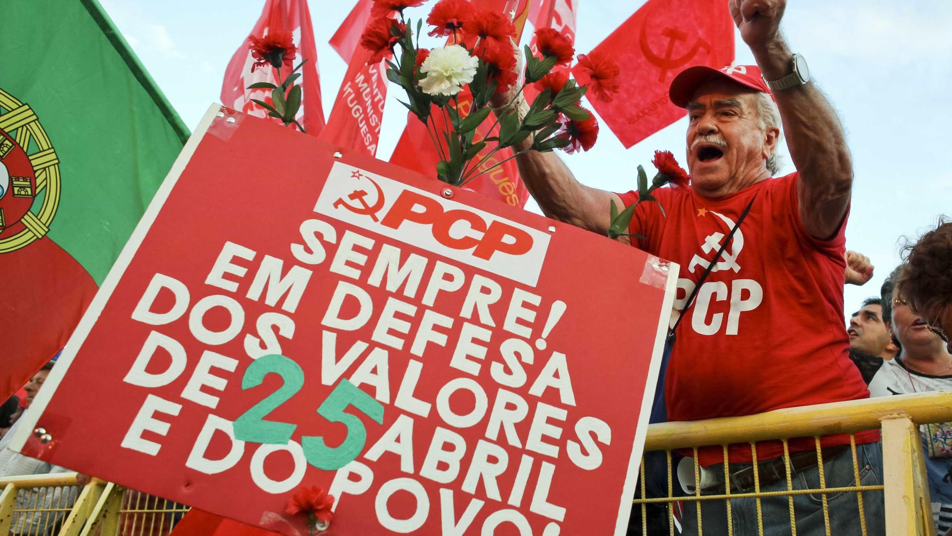 Comunistas renovam confiança em Jerónimo e vincam diferenças face ao PS