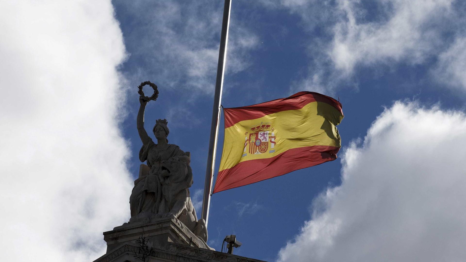 Motim em centro de detenção de imigrantes em Espanha
