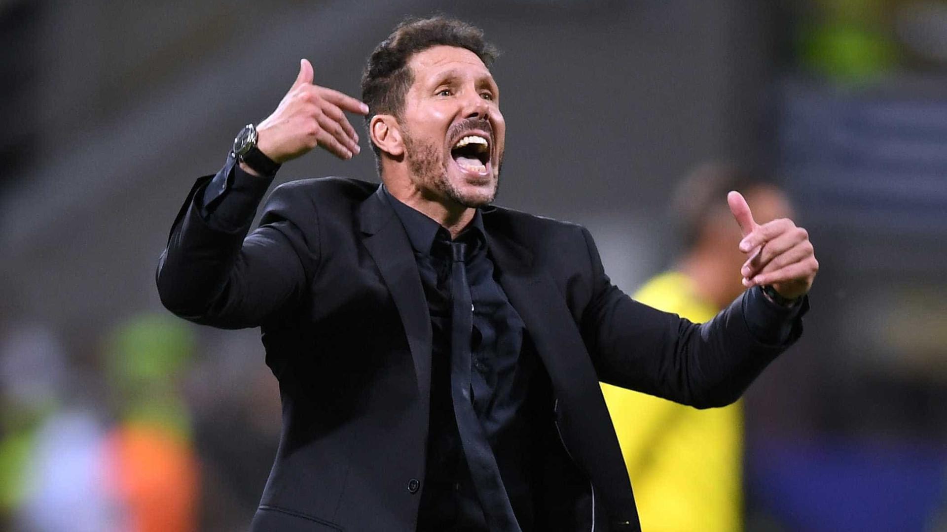 """Simeone esclarece polémica: """"Messi ou CR7? Escolheria Messi, sem dúvida"""""""