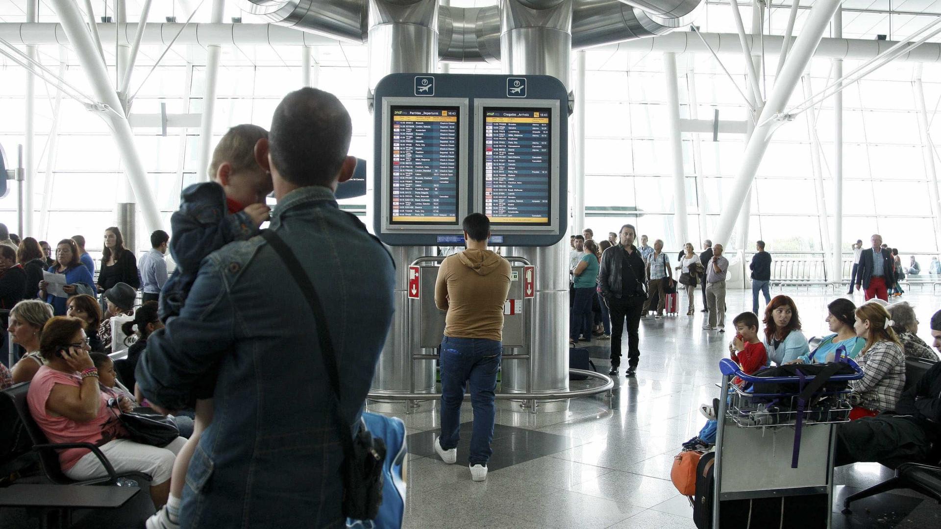 """Controladores do tráfego aéreo """"podem exercer mais um ano"""""""
