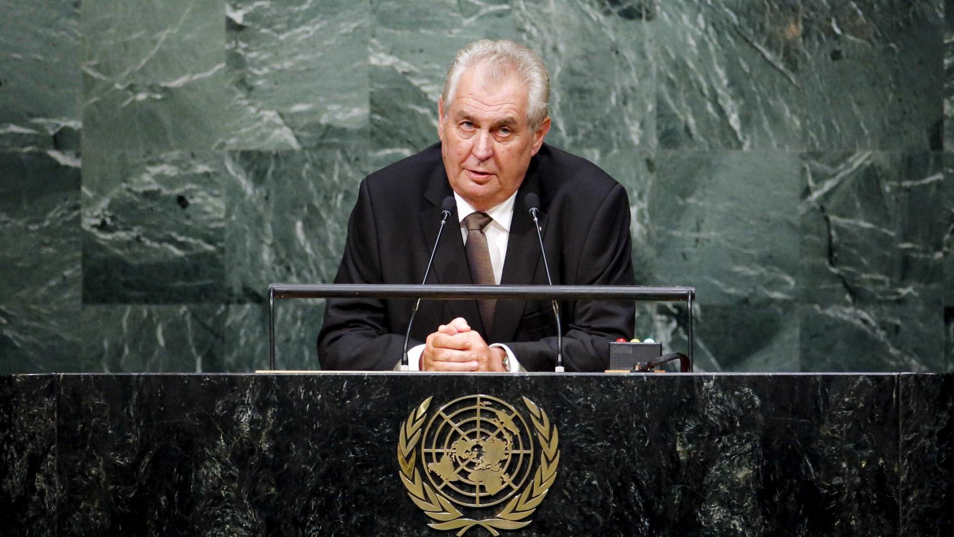 Presidente checo falha maioria na primeira volta
