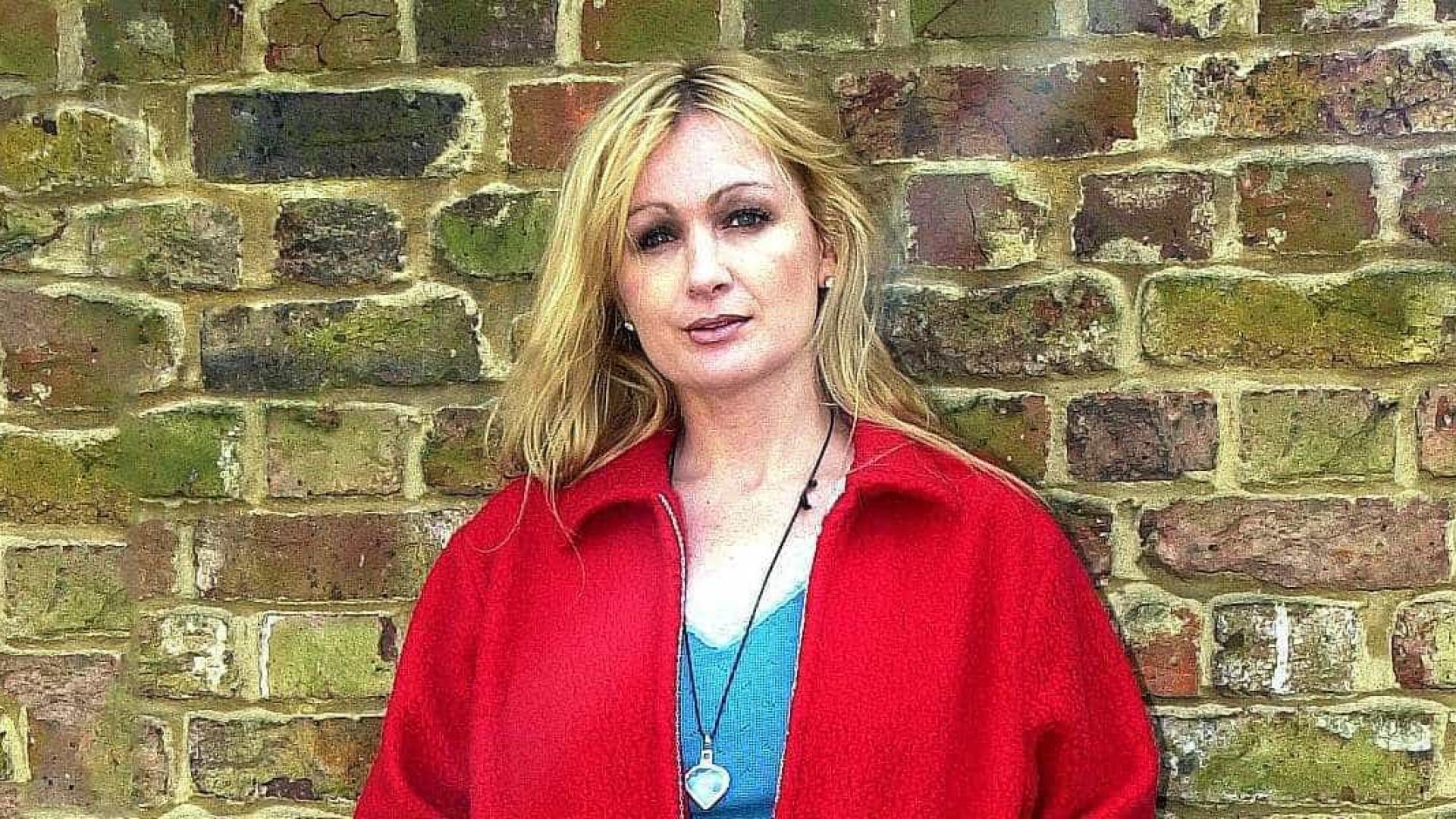 Morreu a atriz britânica Caroline Aherne