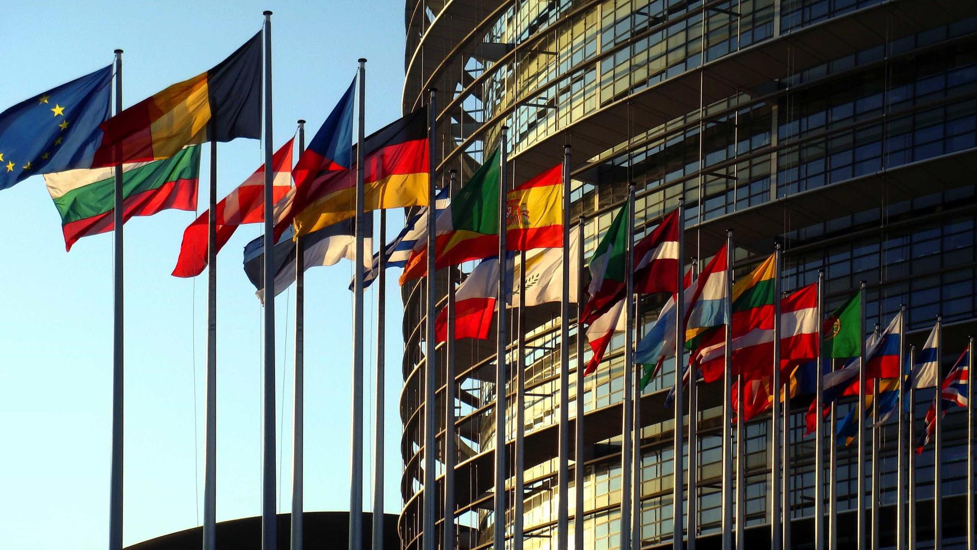 Clima de negócios baixa 0,14 pontos na zona euro em novembro