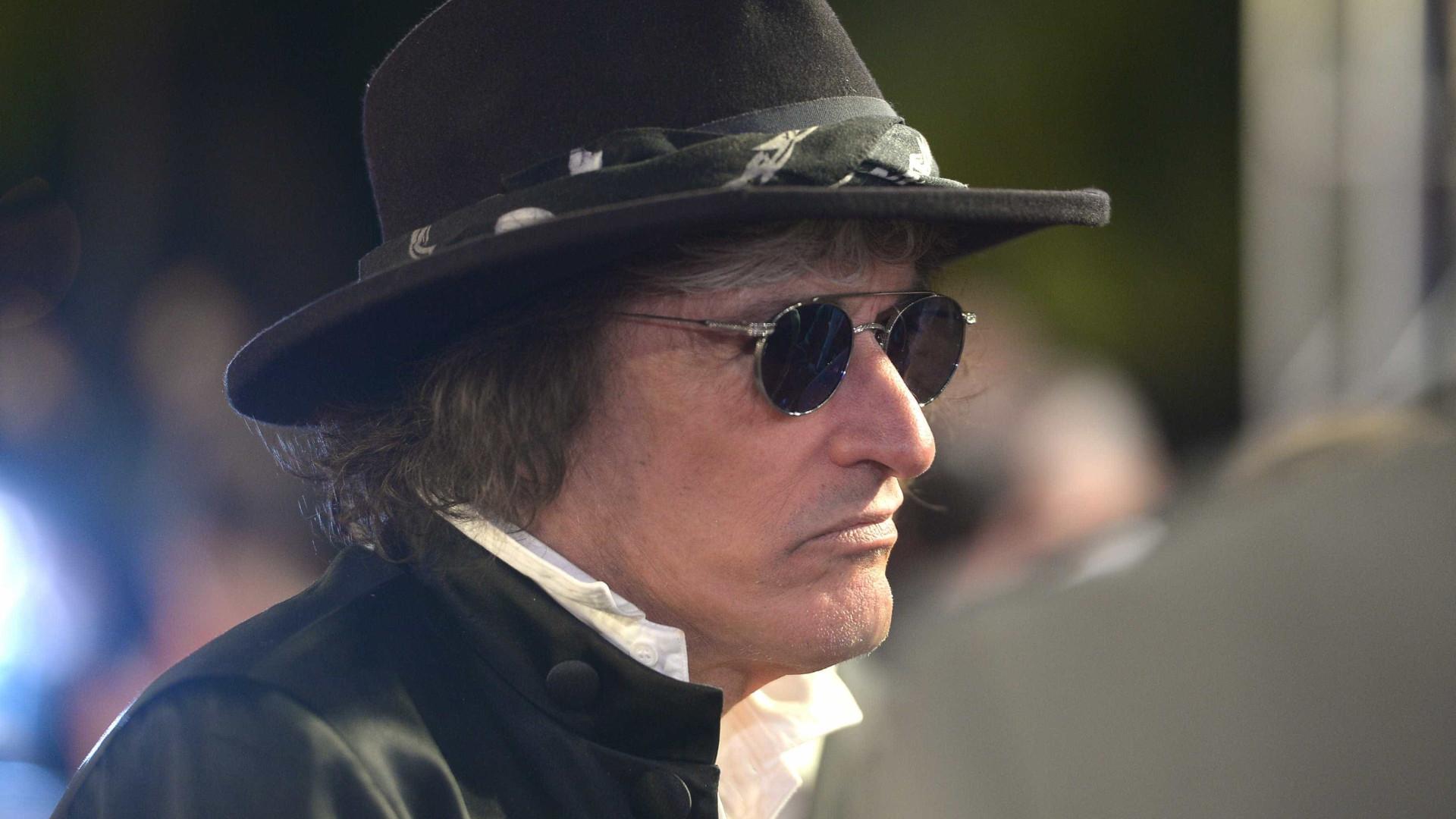 Após ser internado, Joe Perry, guitarrista dos Aerosmith, longe do palco