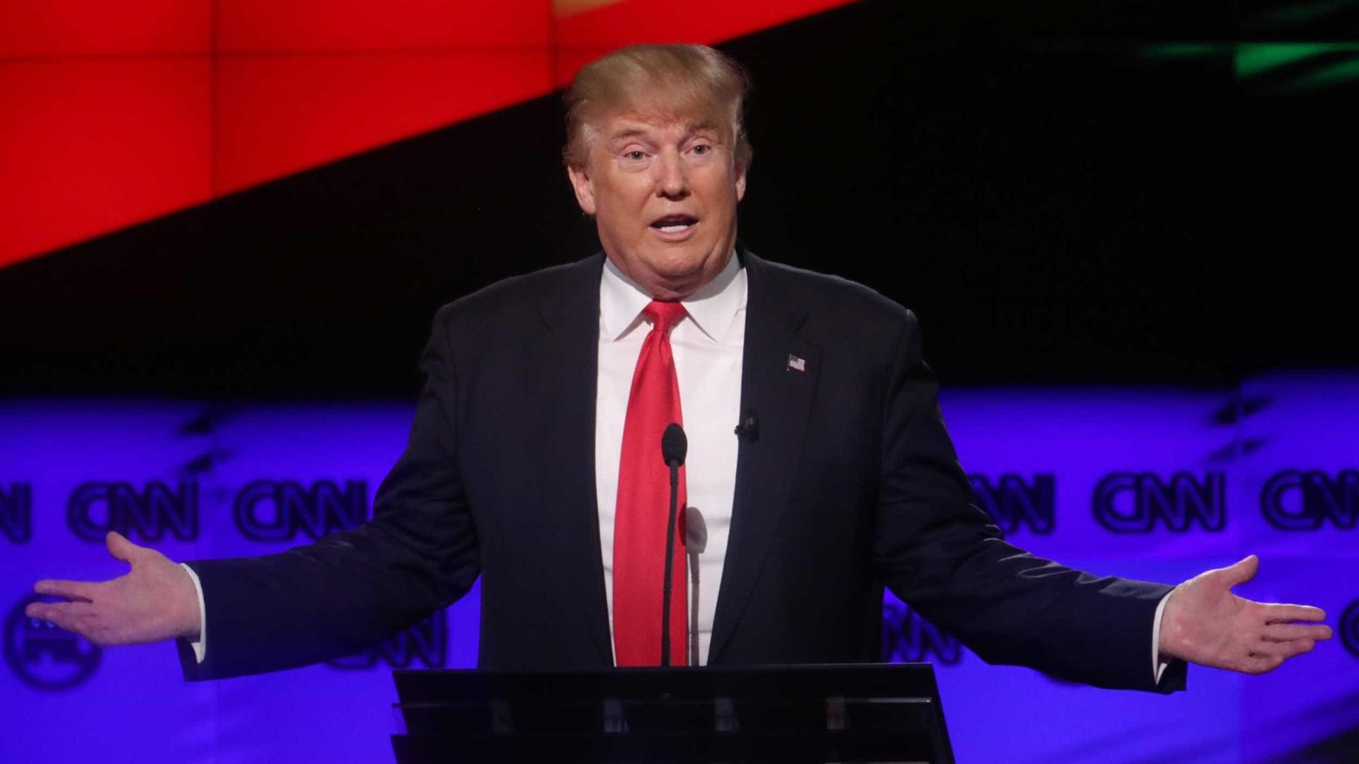 """DACA """"provavelmente está morto"""" por causa dos democratas, diz Trump"""