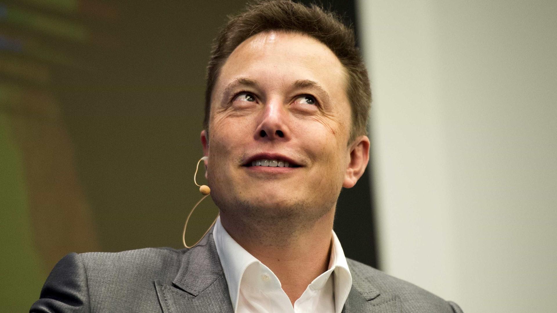 Elon Musk prestes a lançar novo projeto… de comédia