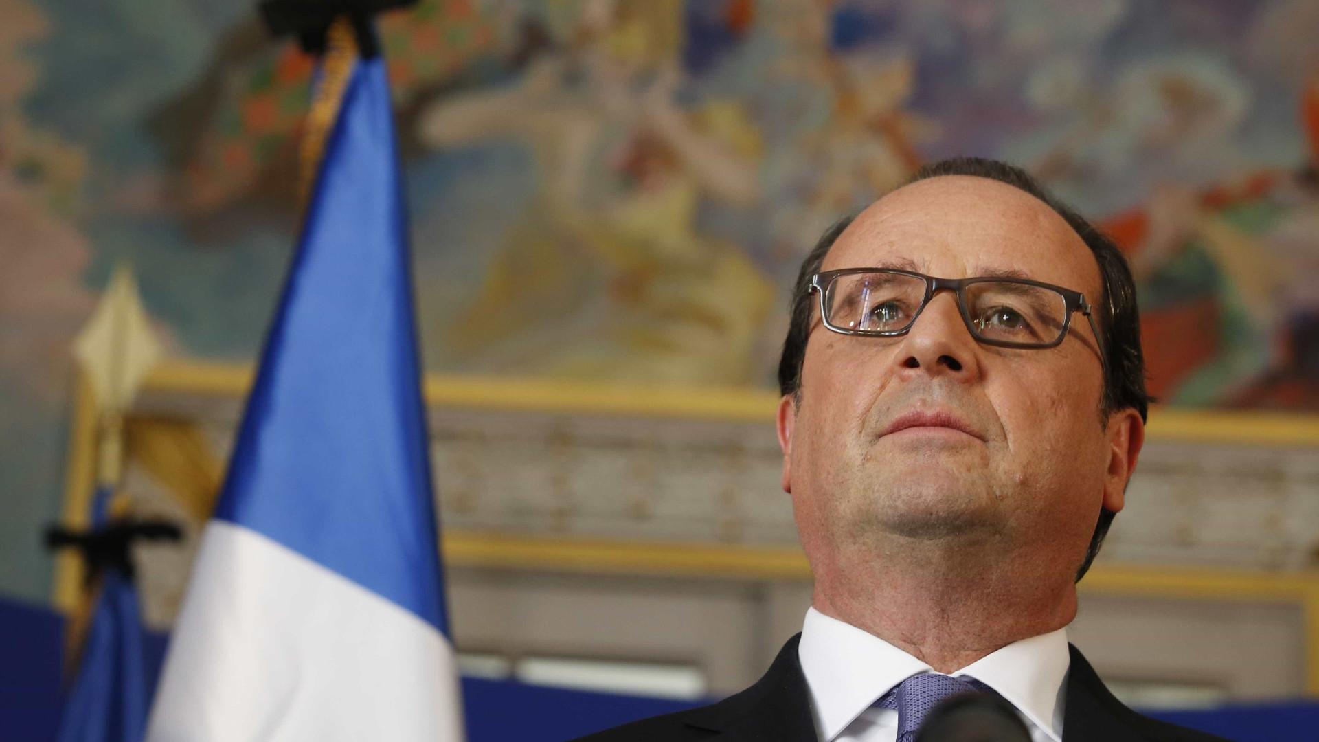 """François Hollande: """"Estamos convencidos de que é terrorismo"""""""