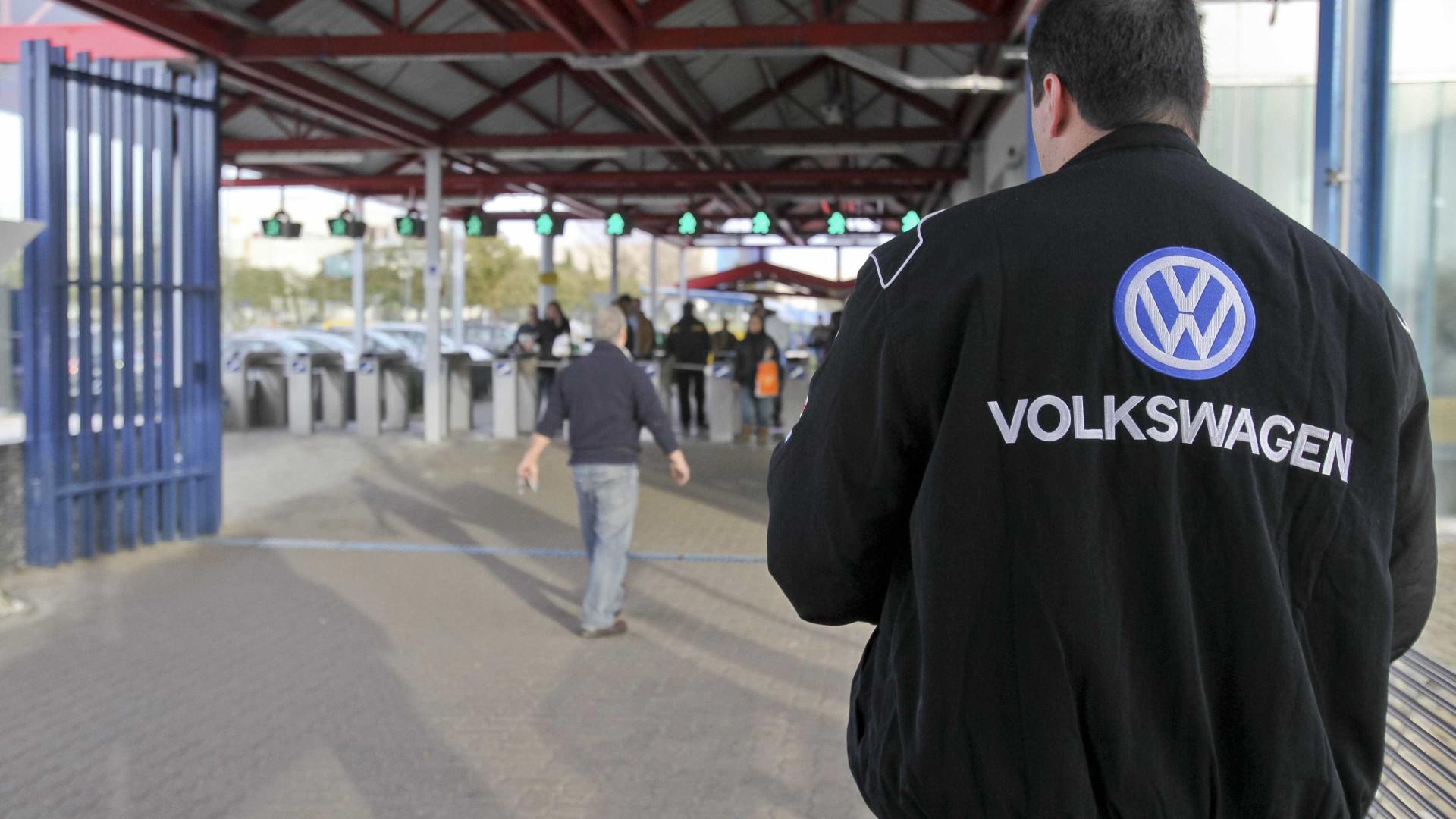 Autoeuropa diz que trabalhadores aprovaram novos horários em 2015