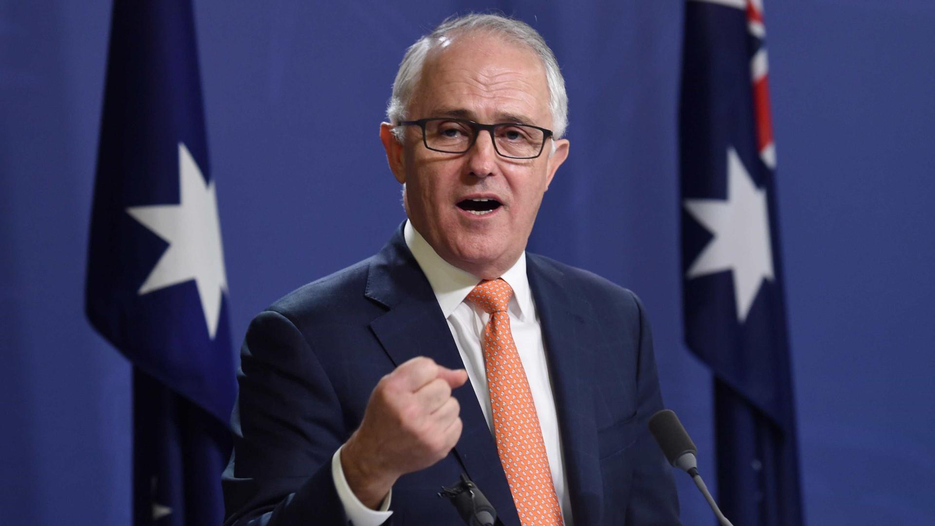"""Austrália proíbe relações sexuais entre ministros e """"subalternos"""""""
