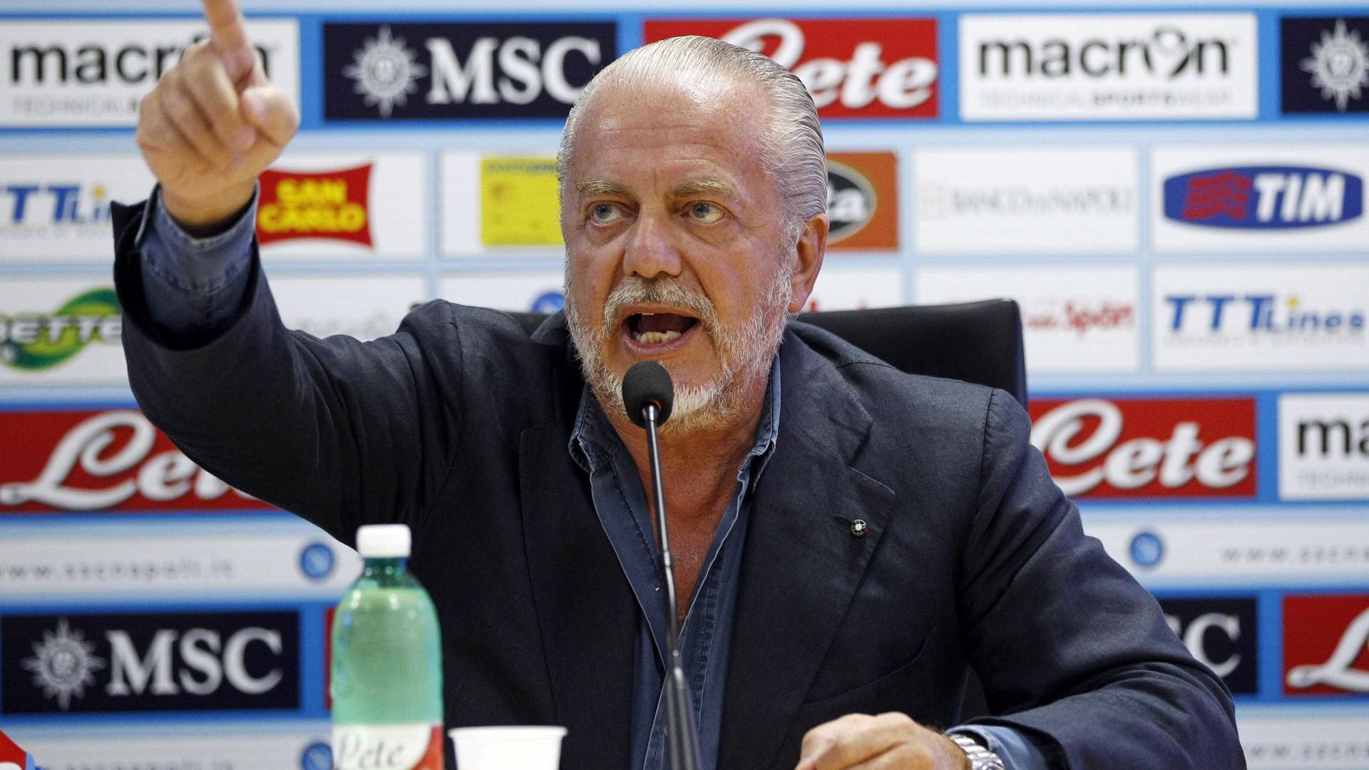"""Presidente do Nápoles responde aos adeptos: """"São loucos ou drogados"""""""