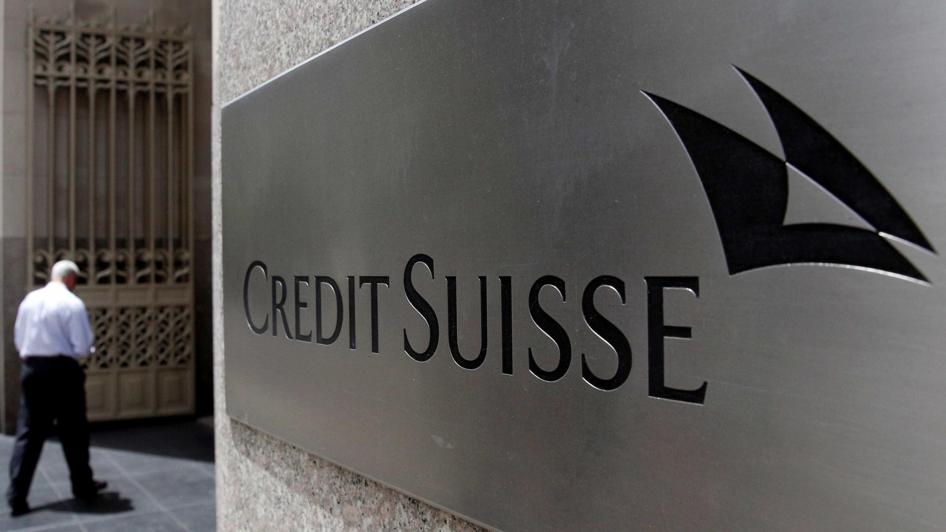 Credit Suisse reduz prejuízos para 852 milhões de euros em 2017