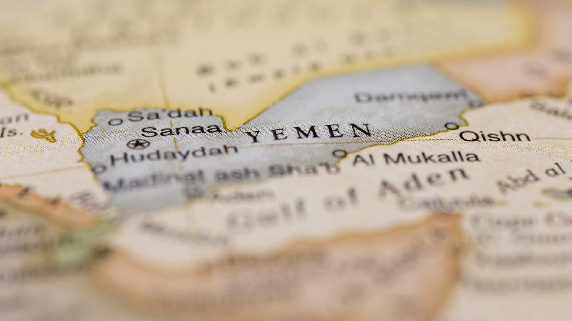 Alguns portos do Iémen continuam bloqueados