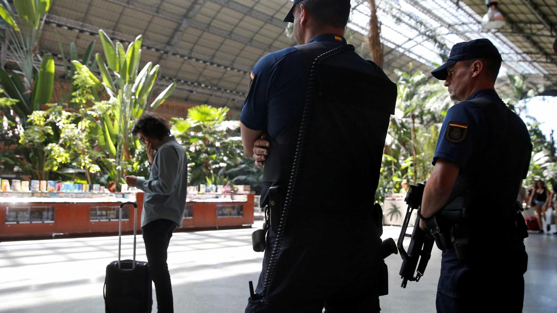 Polícia espanhola detém suspeito de propaganda e recrutamento para ISIS