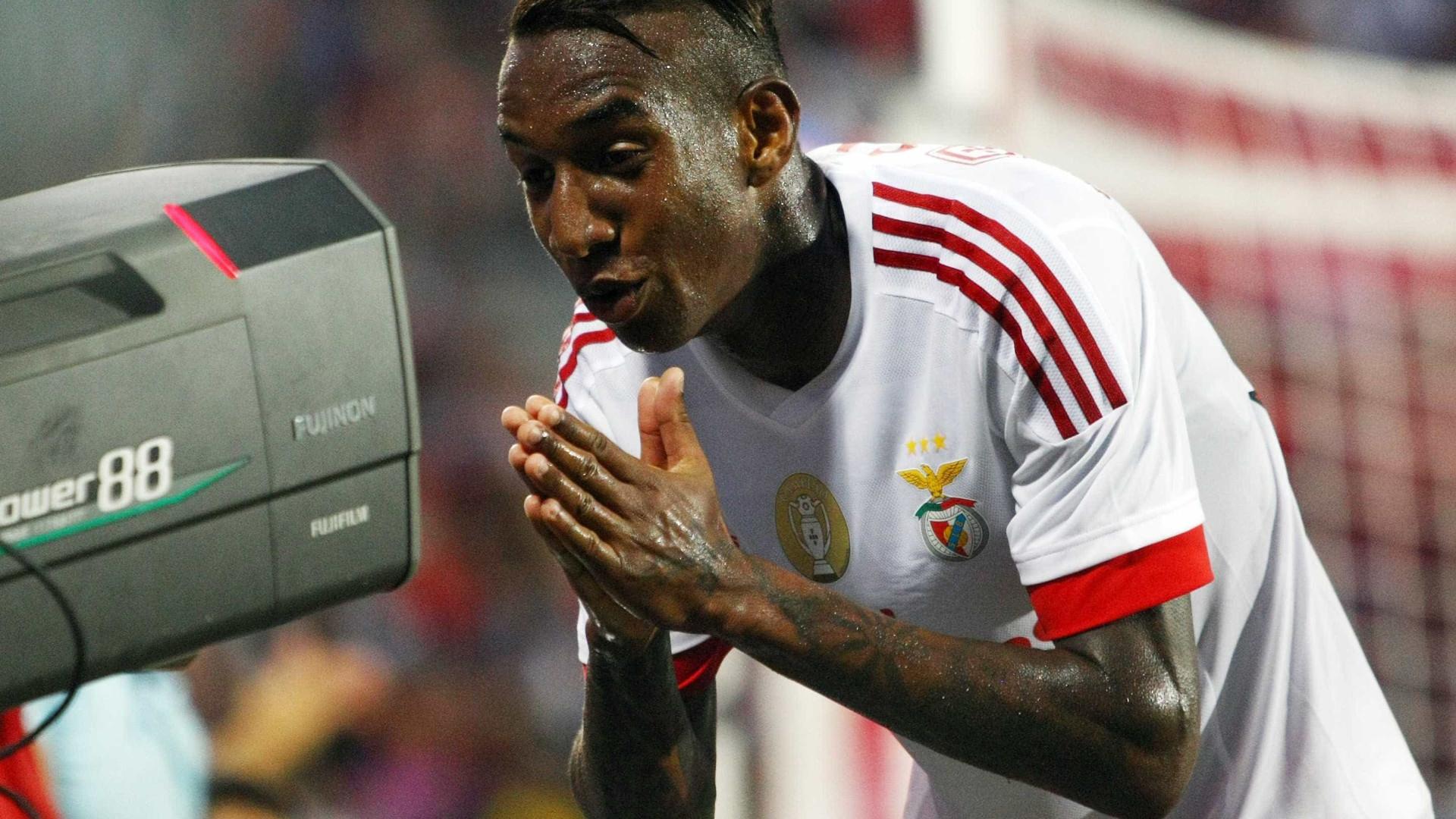 Talisca poderá voltar ao Benfica devido à falta de pagamentos do Besiktas