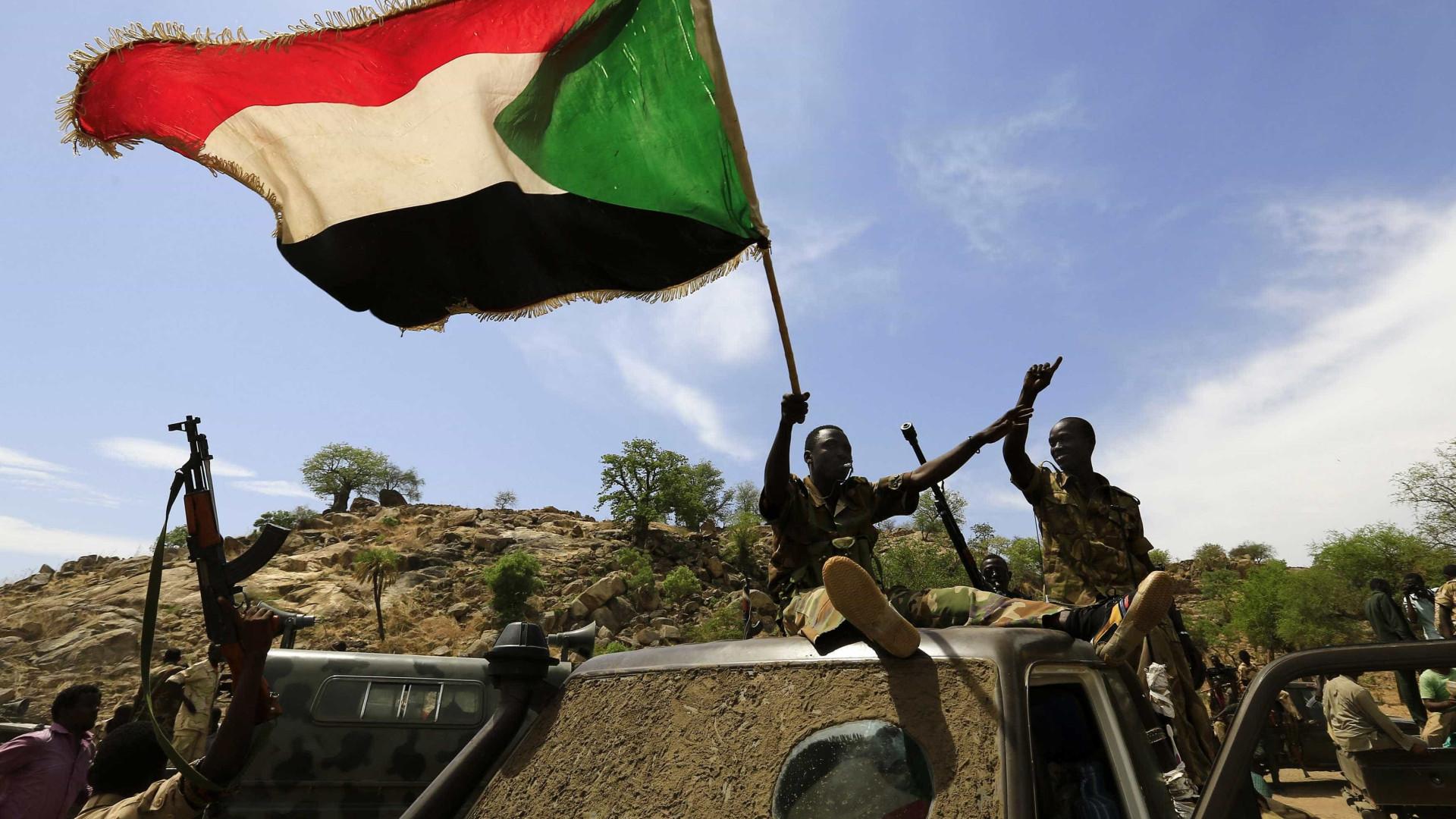 Rebeldes do Sudão libertam sete pessoas sequestradas em março