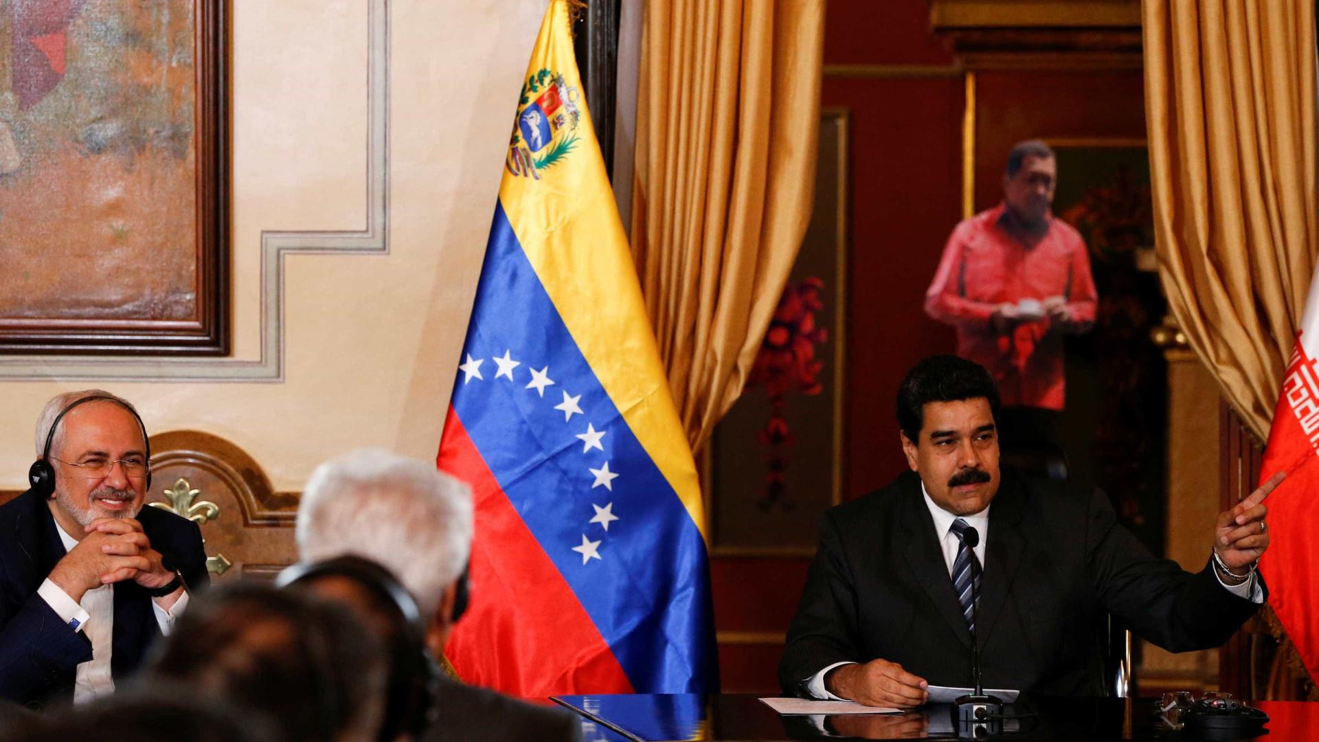 Venezuela condena campanha que compara Chávez com Trump