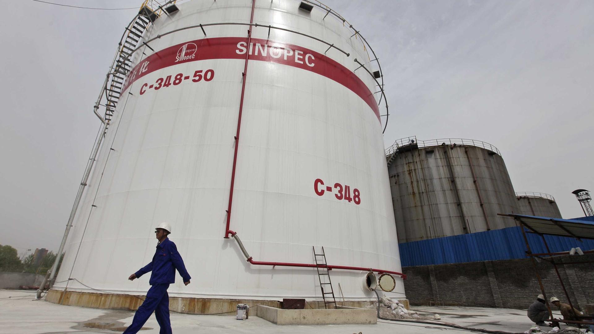 Chinesa Sinopec processa petrolífera venezuelana nos EUA