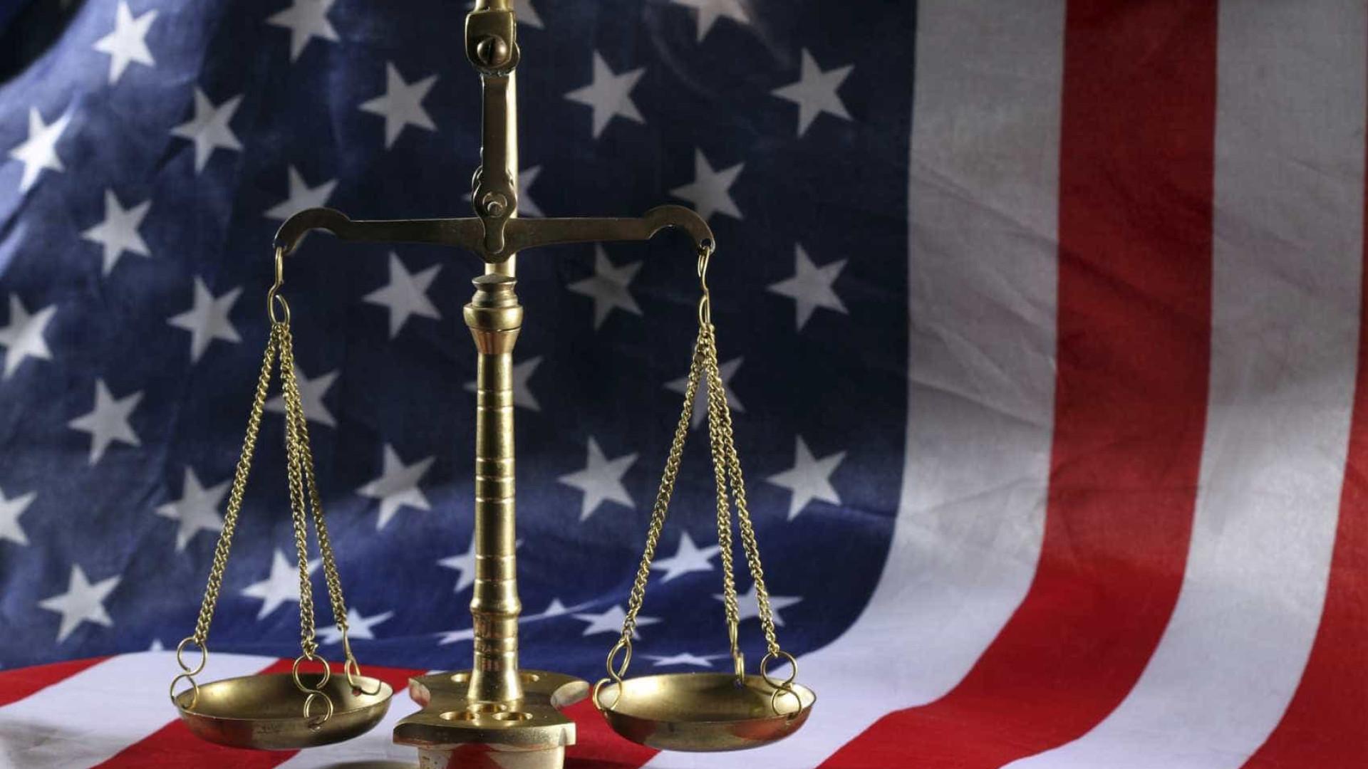 Acusado de violação mostrou pénis a jurados para provar inocência