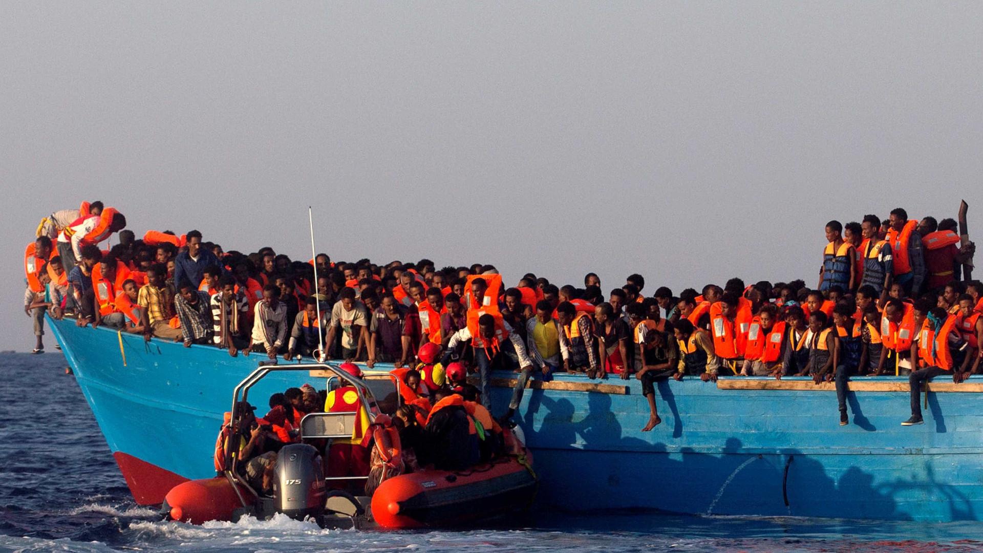 Mais de 4.400 migrantes resgatados no Mediterrâneo desde quinta-feira