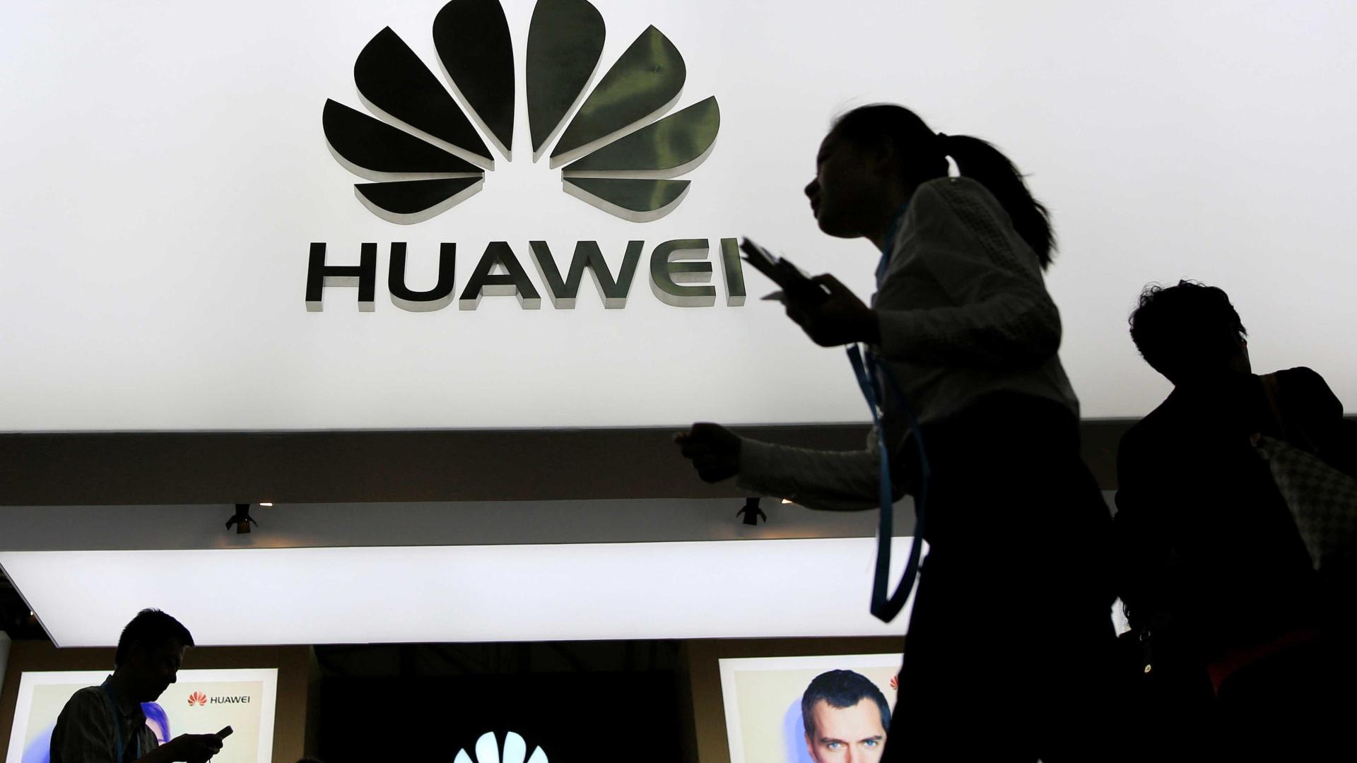 Próximo topo de gama da Huawei pode ter ecrã de tablet