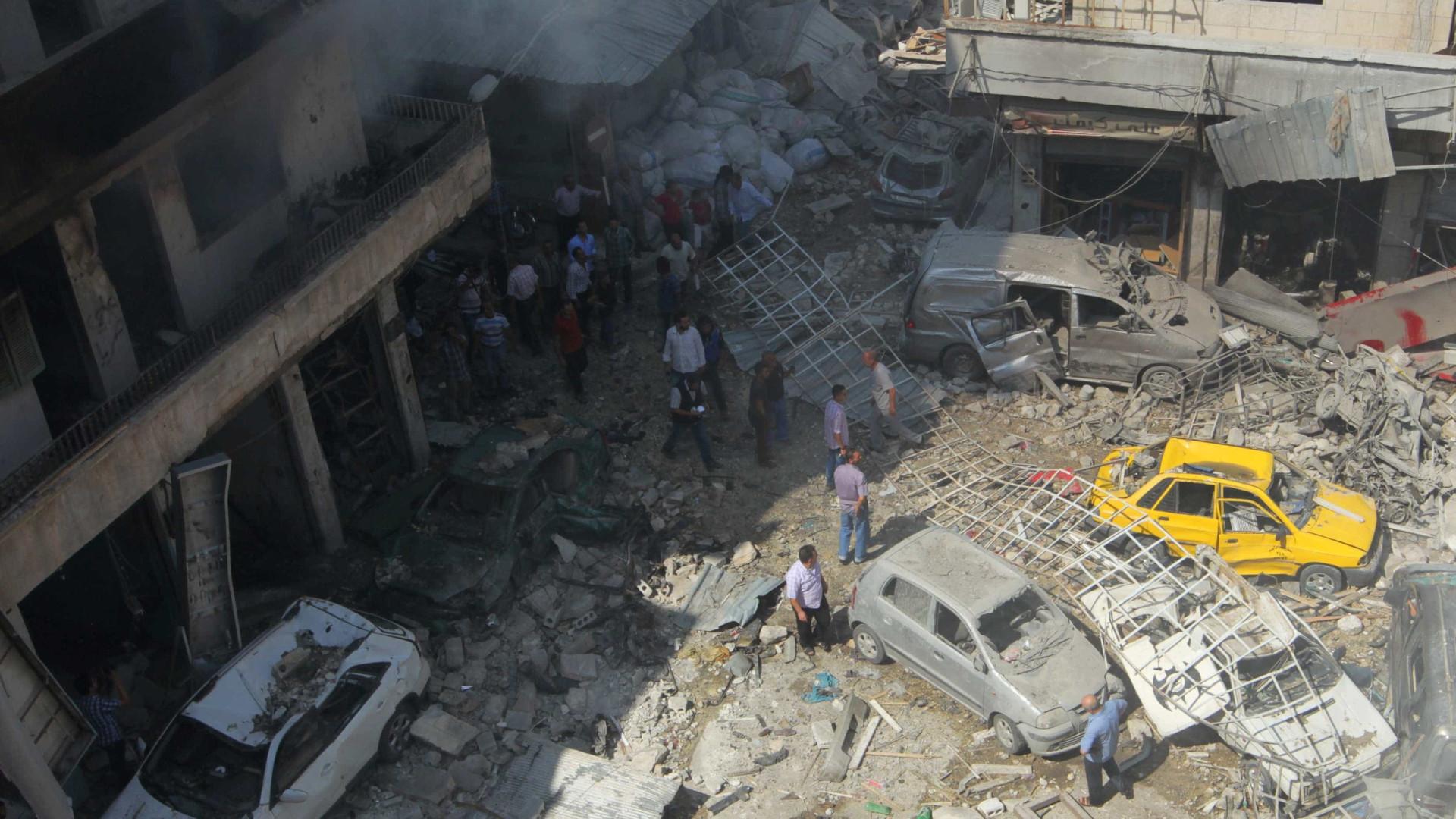 Moscovo diz que cinco russos foram mortos durante raides aéreos dos EUA