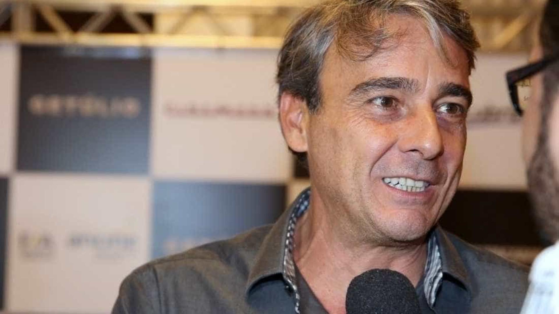 Ator brasileiro assume relação com produtora portuguesa
