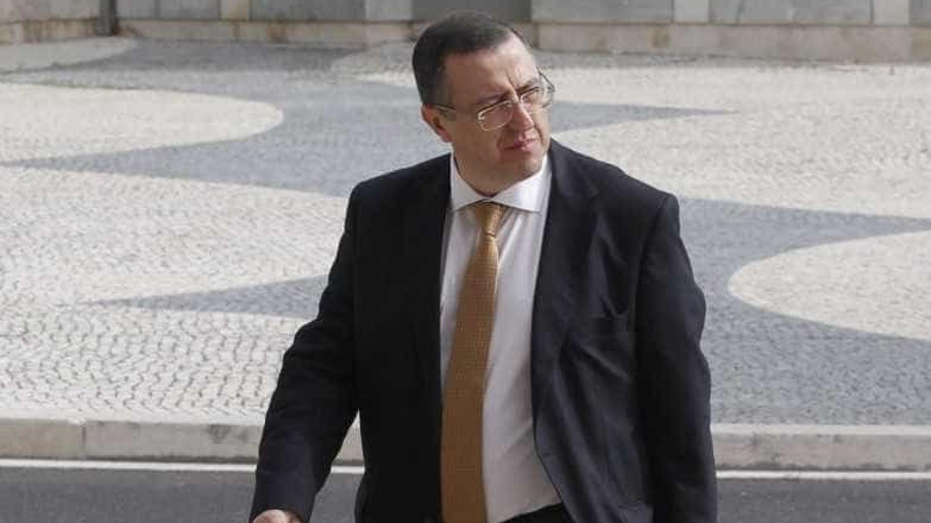 Fizz: Carlos Alexandre tentou demover Orlando Figueira de sair do MP