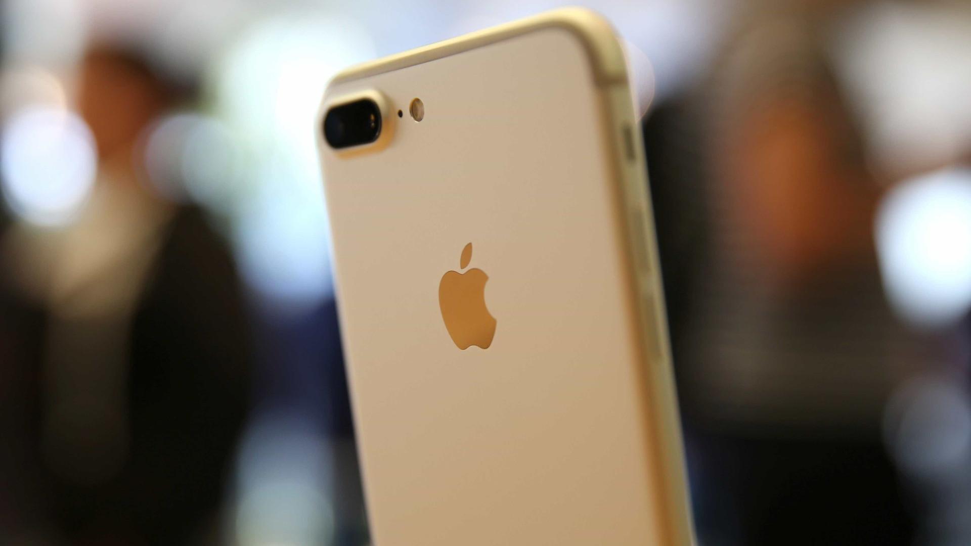 Pode não ter reparado mas há um modelo do iPhone 7 que desapareceu