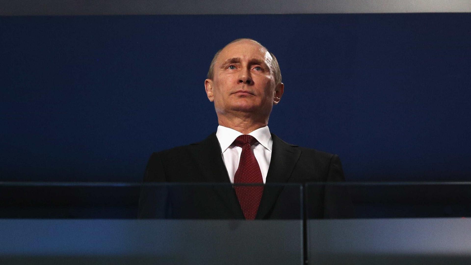 """Putin fala de uma """"oportunidade real"""" de paz na Síria"""
