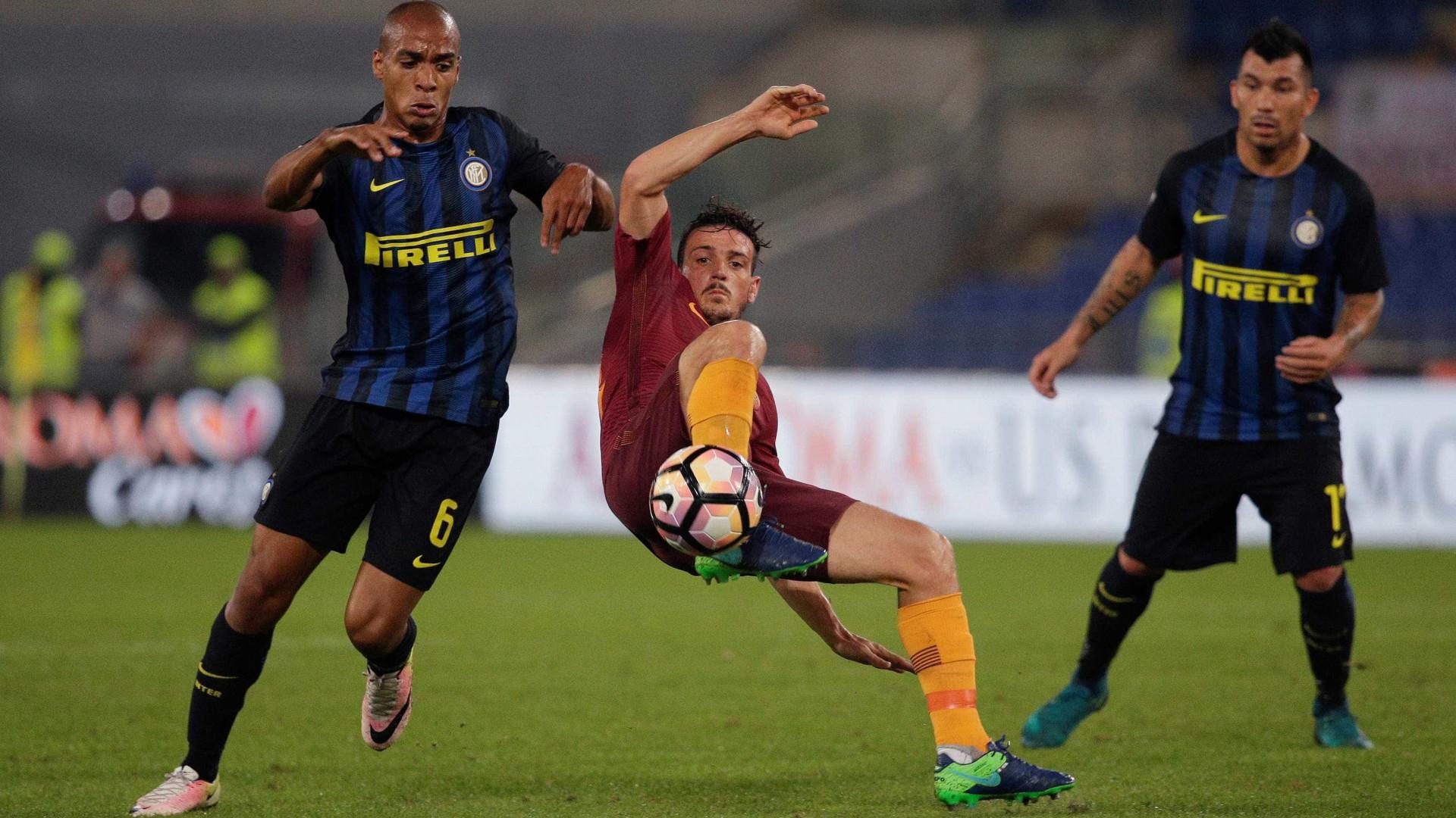Inter de João Mário venceu Fiorentina de Paulo Sousa por 4-2