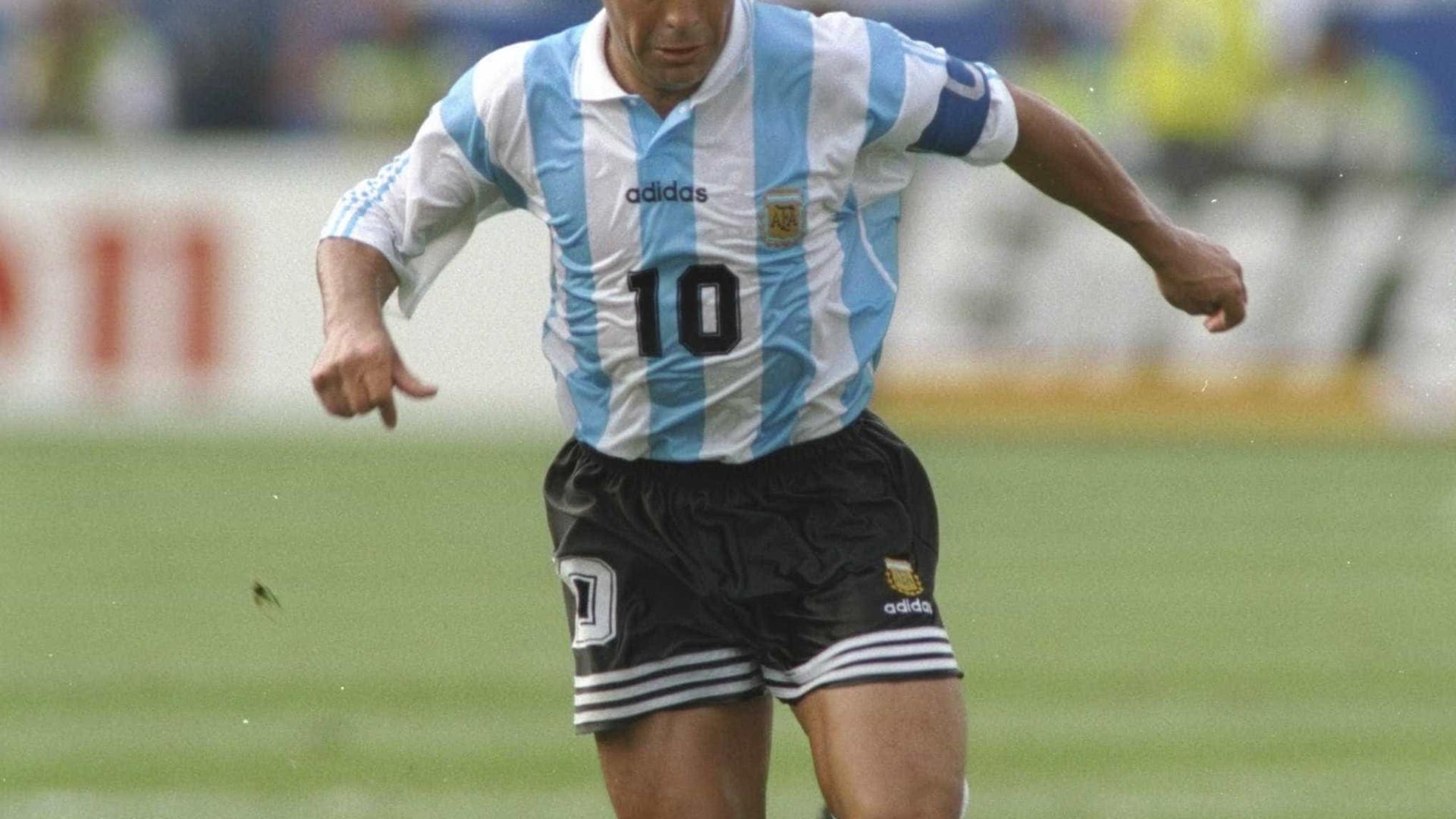 Se Maradona pudesse ser outro jogador, qual seria? O próprio explica