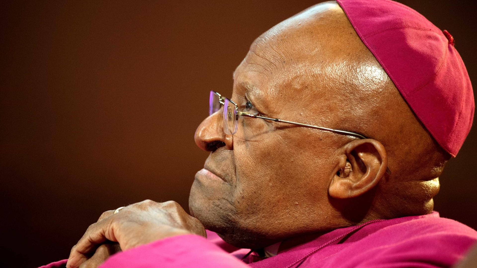 Nobel da Paz Desmond Tutu abandona cargo de embaixador da Oxfam