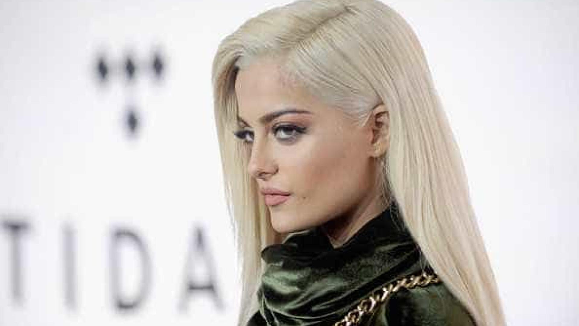 """Bebe Rexha reage a críticas sobre o peso: """"Eu amo o meu rabo gordo"""""""
