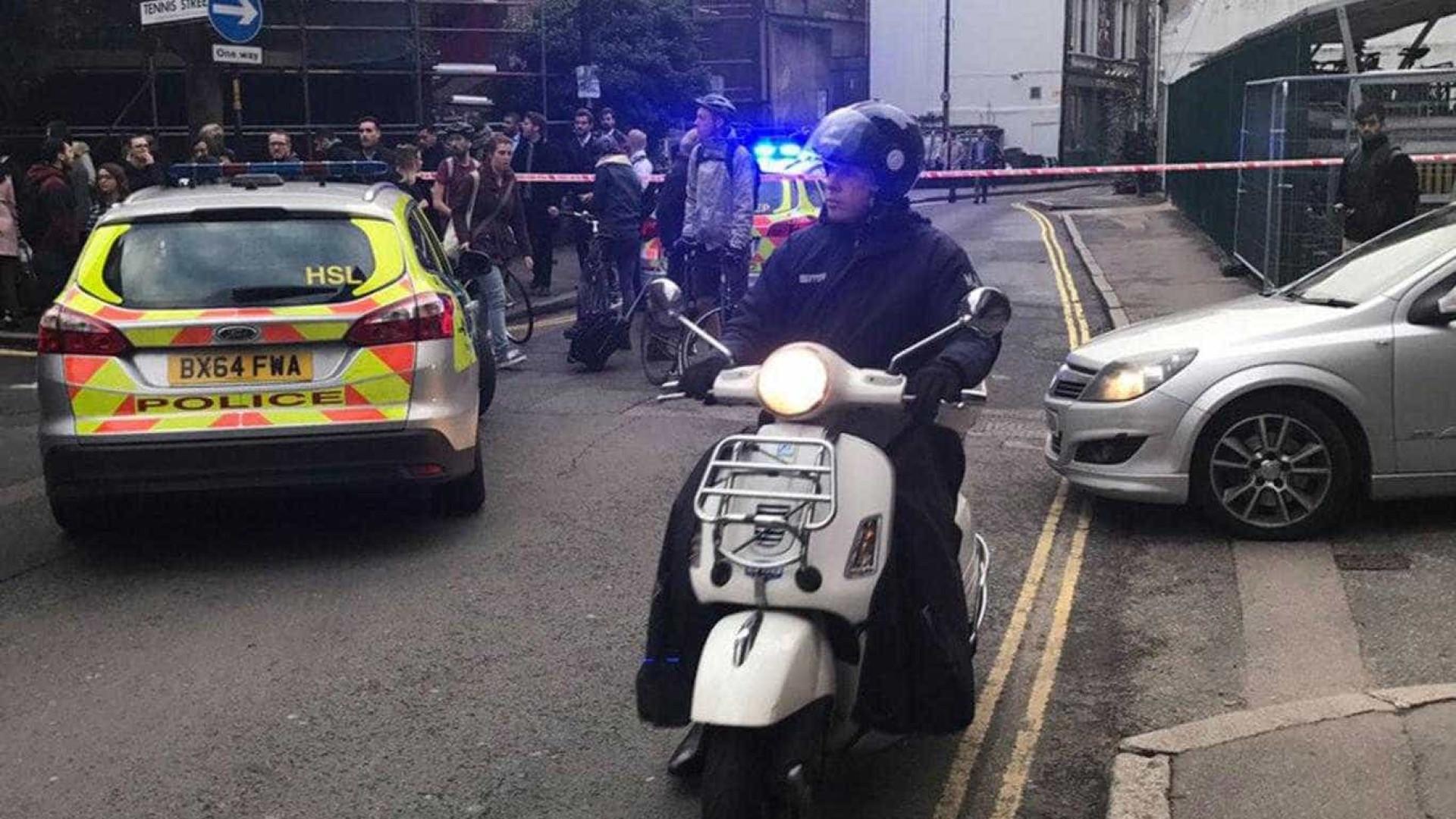 Estação de London Bridge evacuada. Veículo suspeito no local