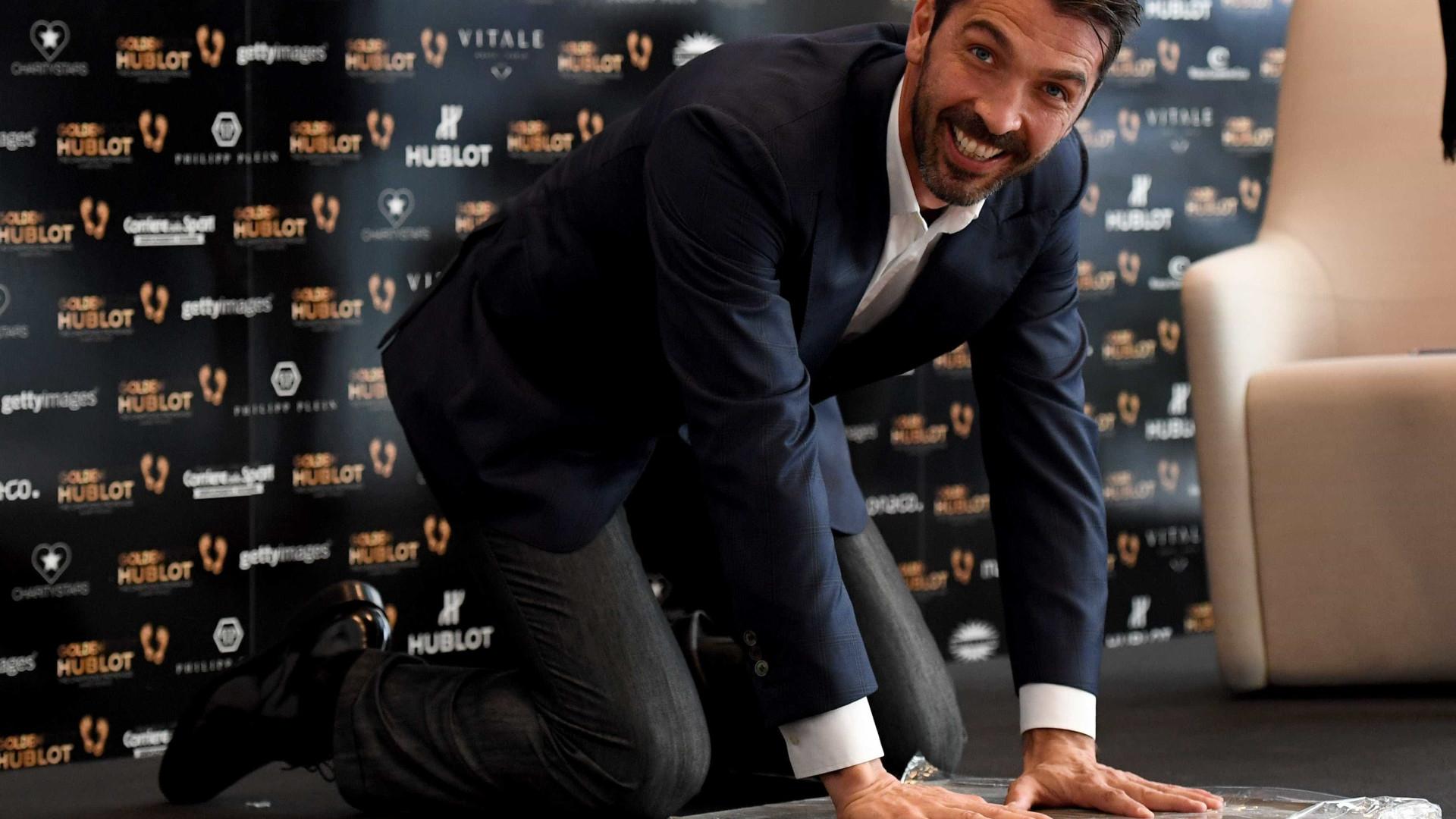 """Buffon envia recado a quem o deu como """"morto"""""""