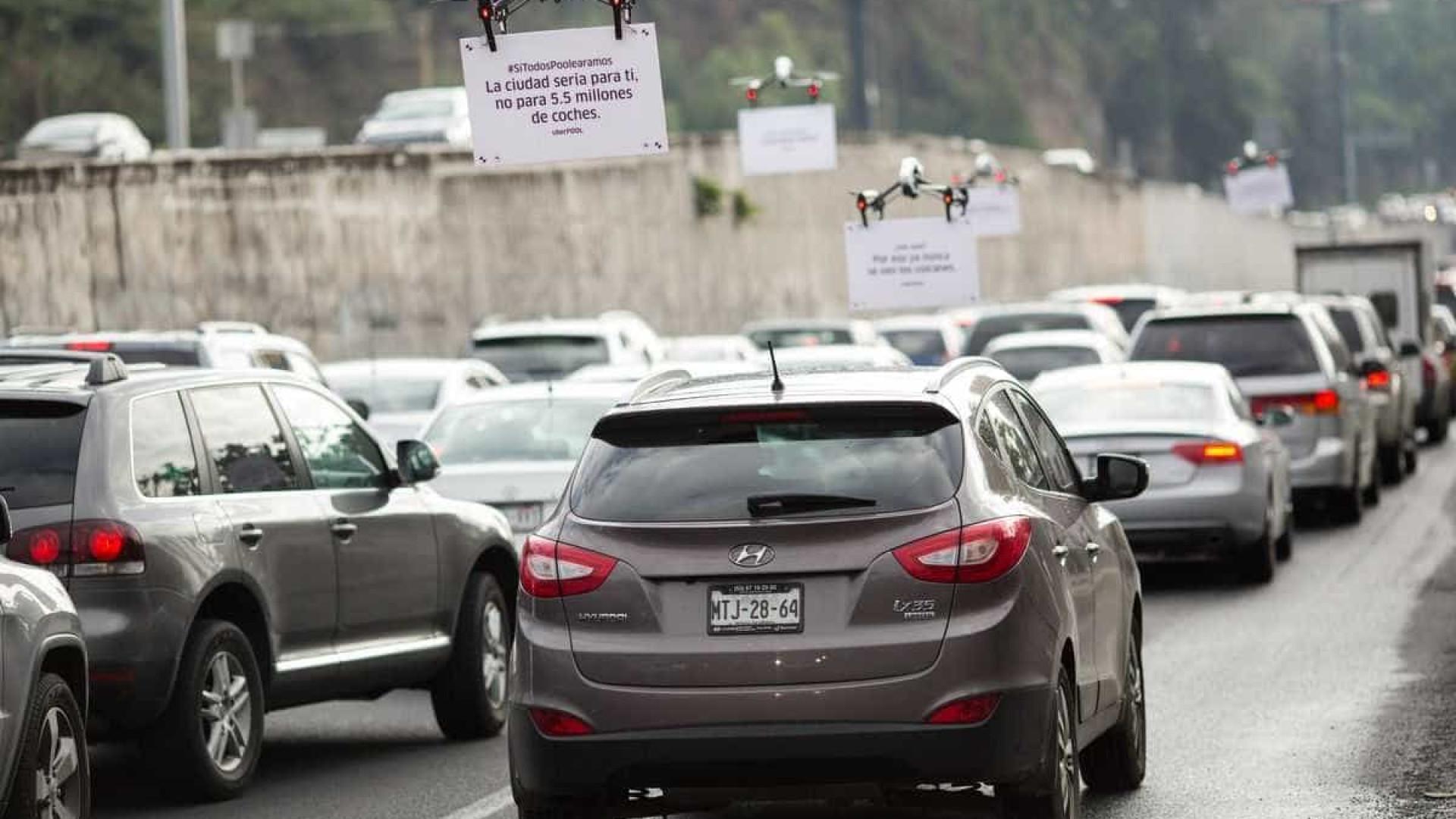Uber aproveita trânsito para promover os seus serviços… com drones