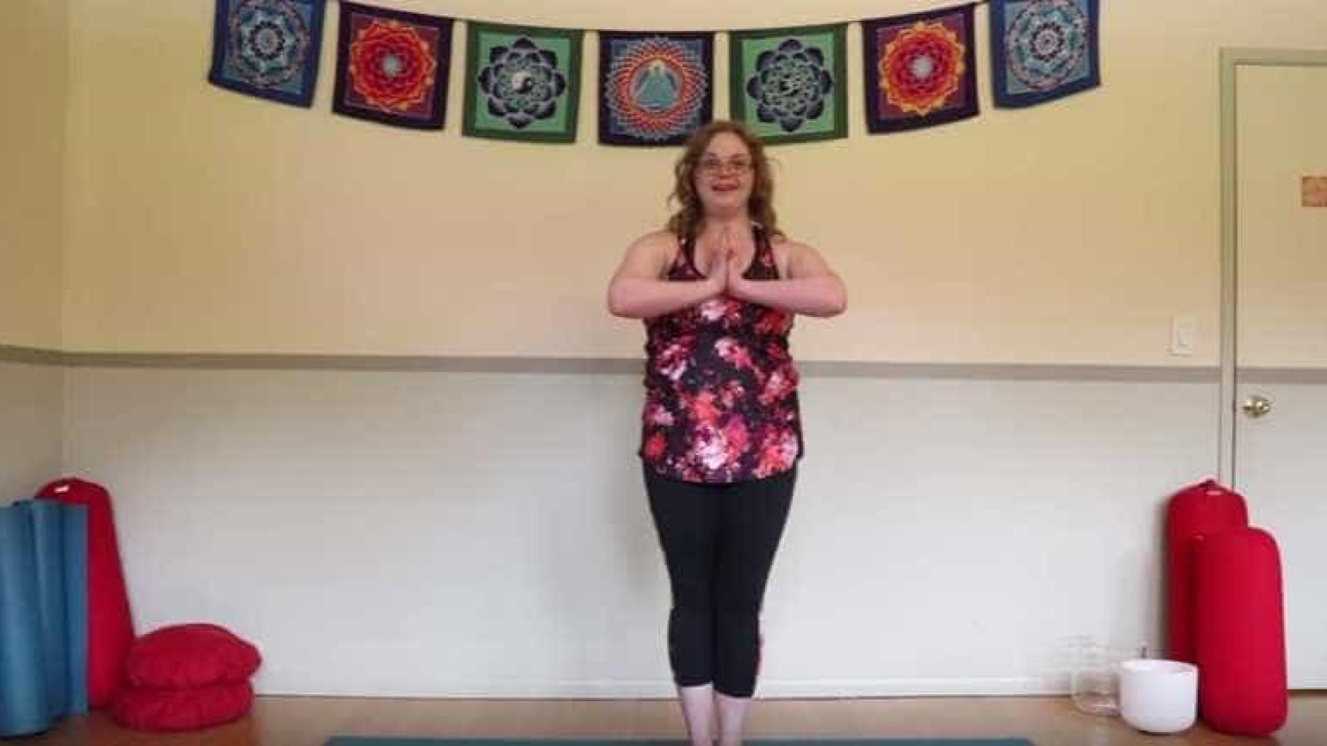 Jessica, uma instrutora de yoga com Síndrome de Down