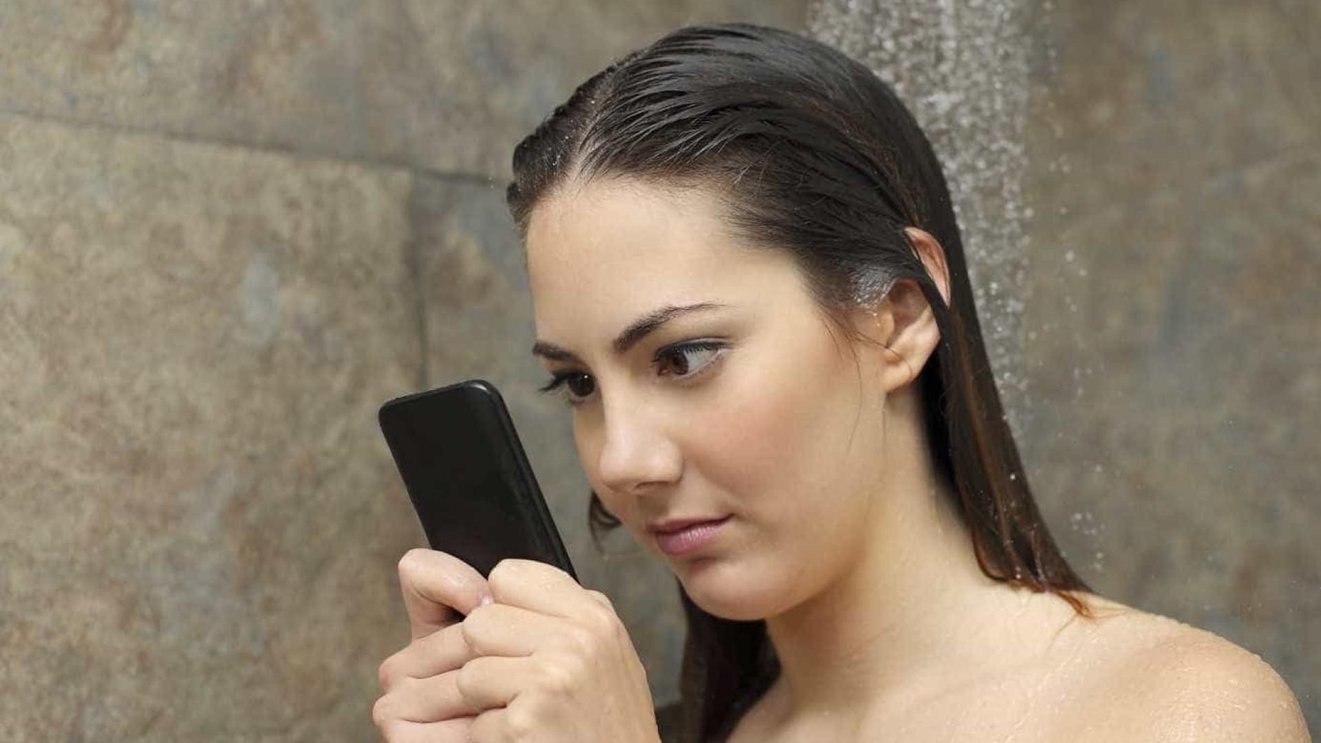 Tomar banho com o iPhone 7, a nova tendência do smartphone da Apple