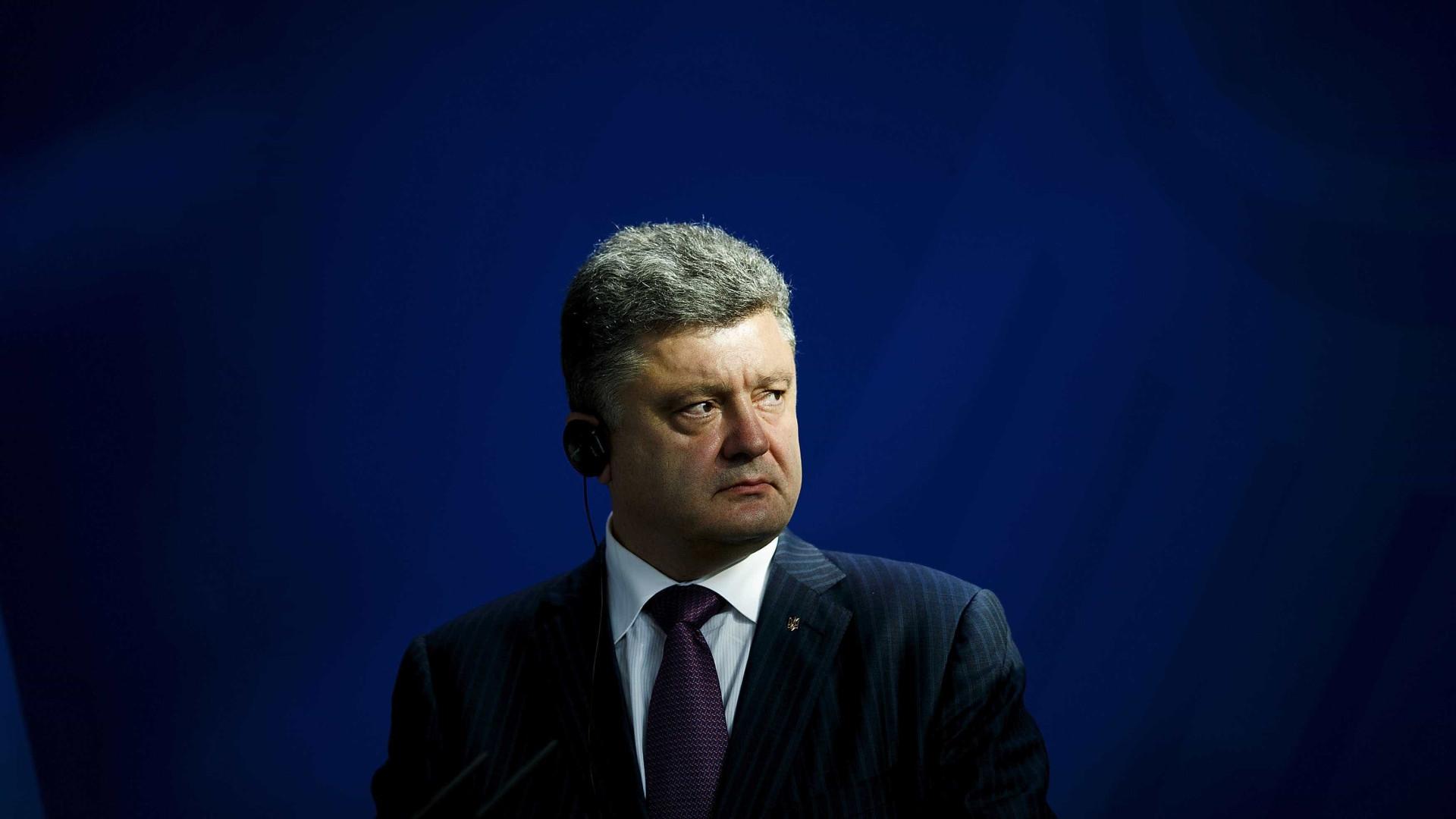 """Poroshenko sem """"expectativas muito elevadas"""" quanto a Cimeira de Berlim"""