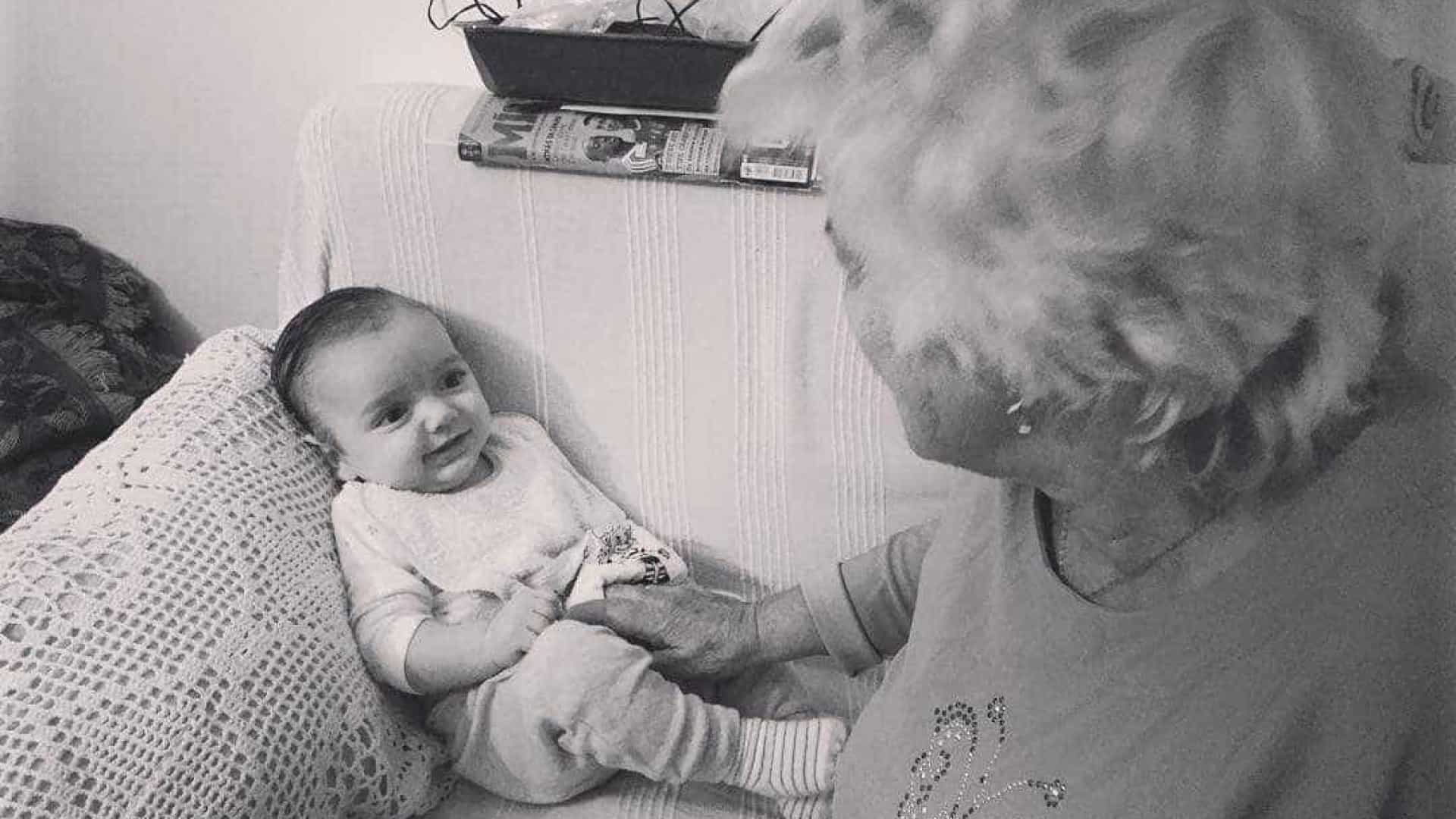 "Carolina Deslandes: ""82 anos de Avó Fátima, 3 meses e meio de Santiago"""
