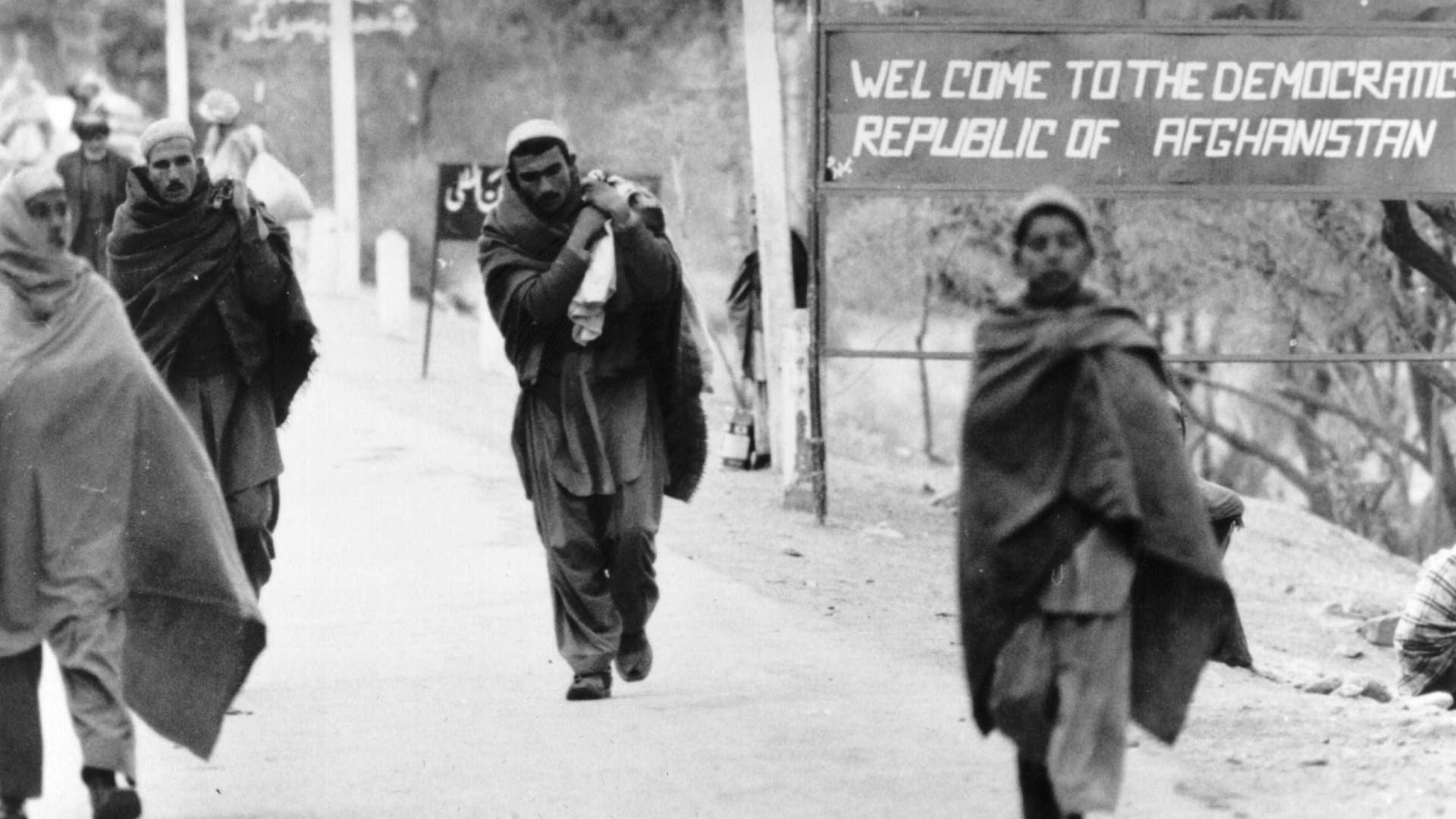 Mais de 350 mil refugiados afegãos regressaram do Paquistão