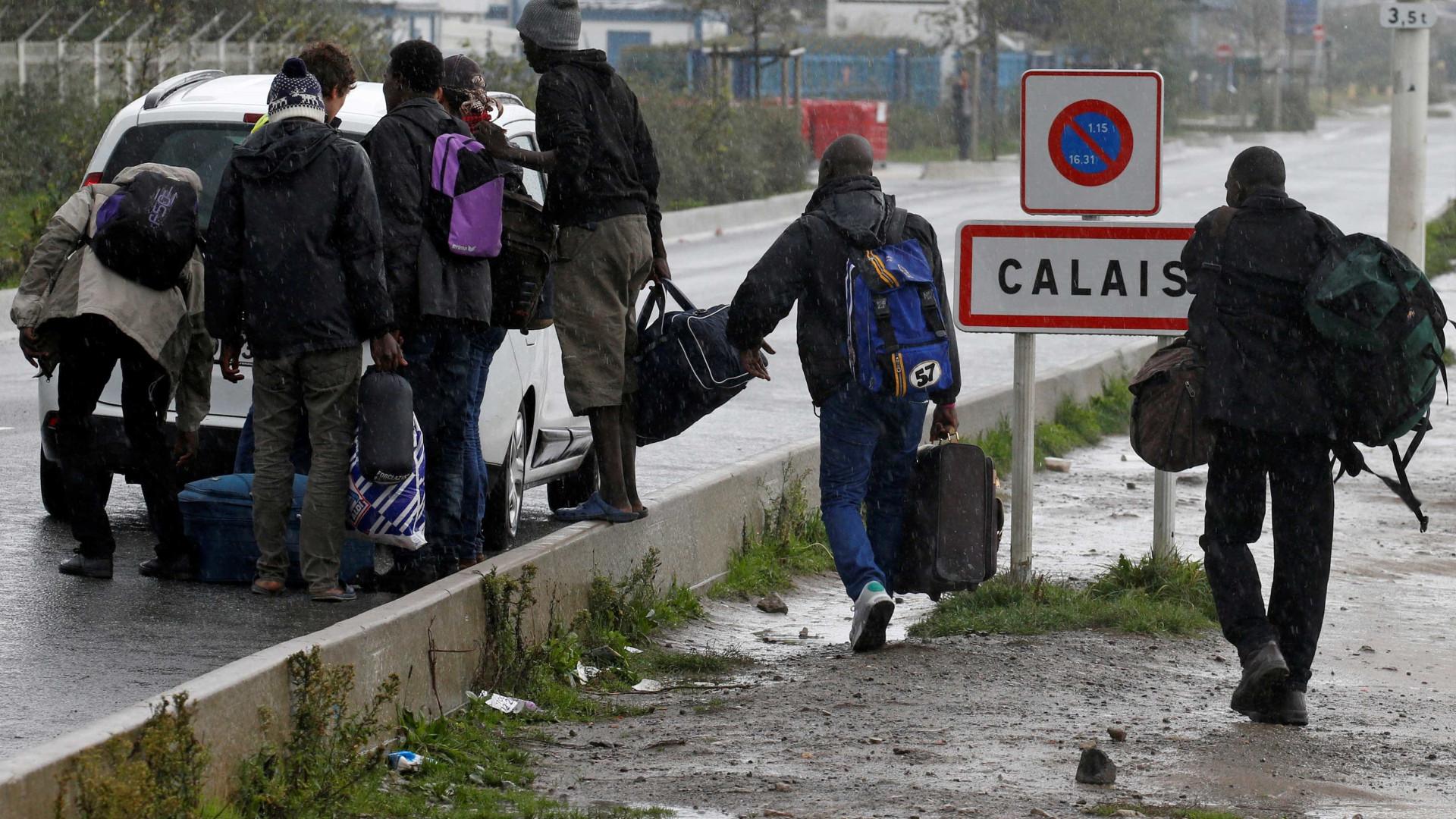 Justiça autoriza desmantelamento do campo de migrantes em Calais